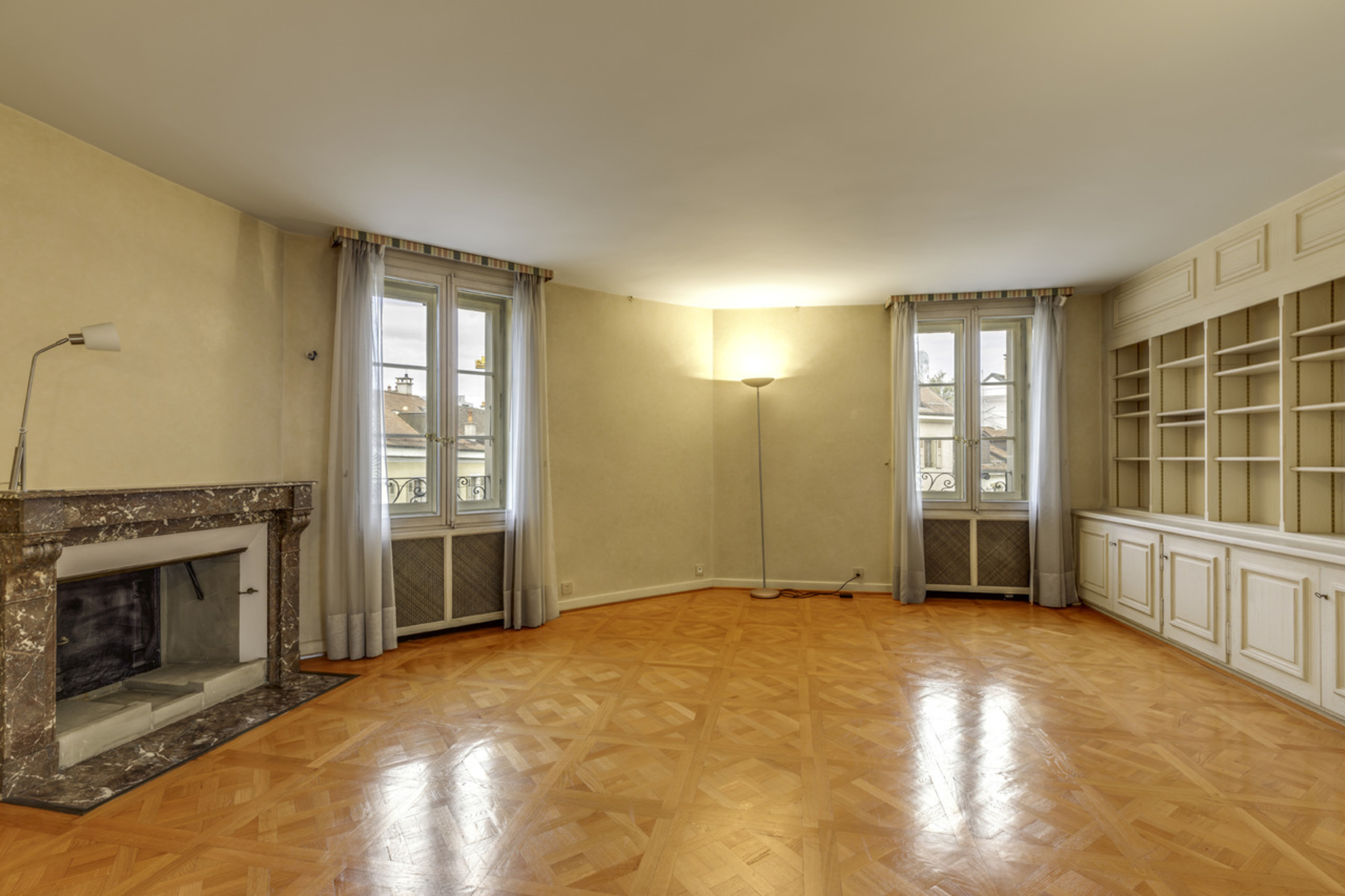 Single Family Home for Active at Magnificent townhouse in the heart of Carouge old town Genève Geneva, Geneva 1208 Switzerland