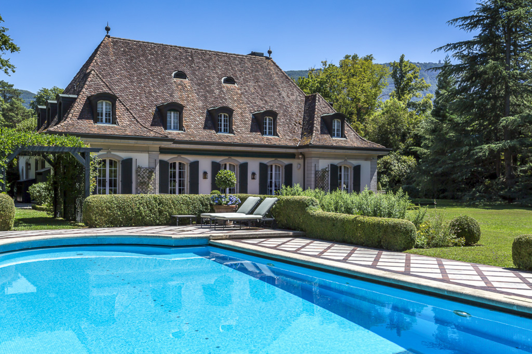 Single Family Home for Sale at Splendid mansion Conches Conches, Geneva, 1231 Switzerland