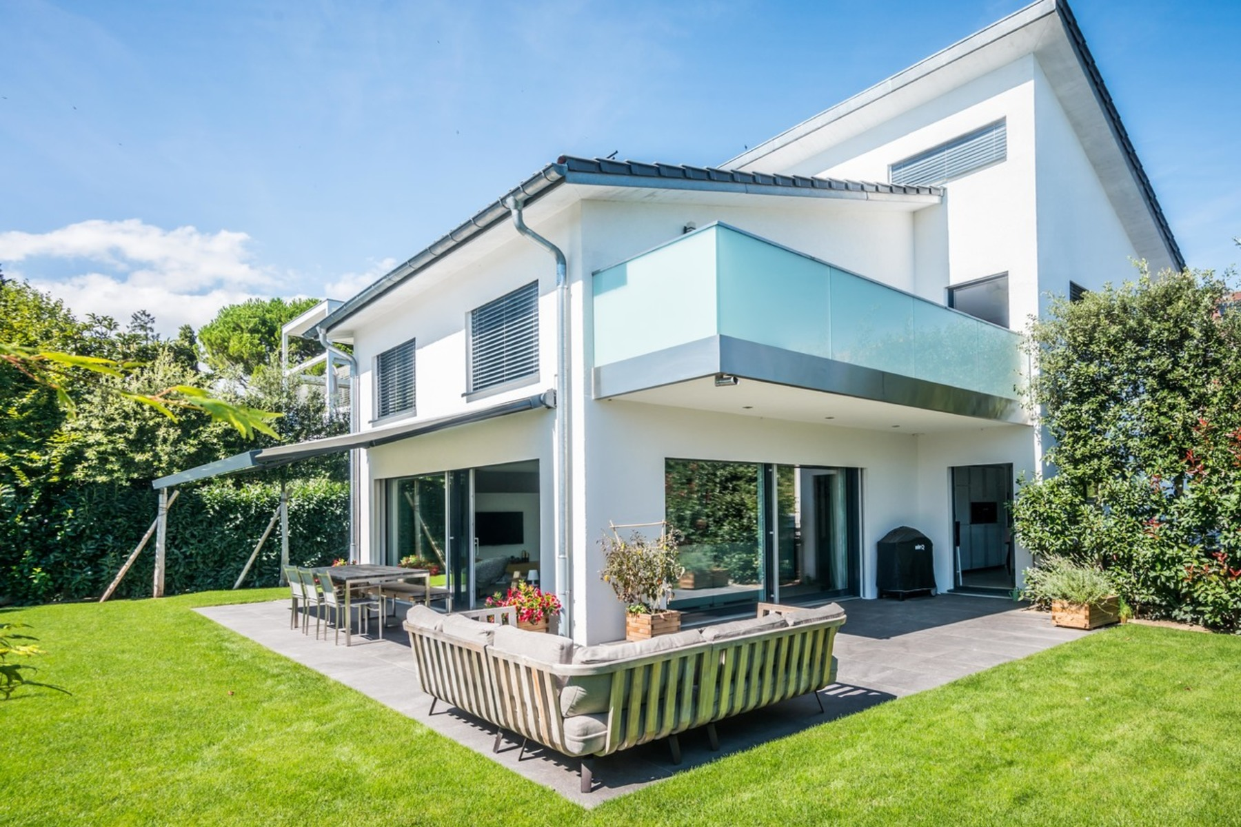 Single Family Home for Active at Stunning modern villa Nyon Nyon, Vaud 1260 Switzerland
