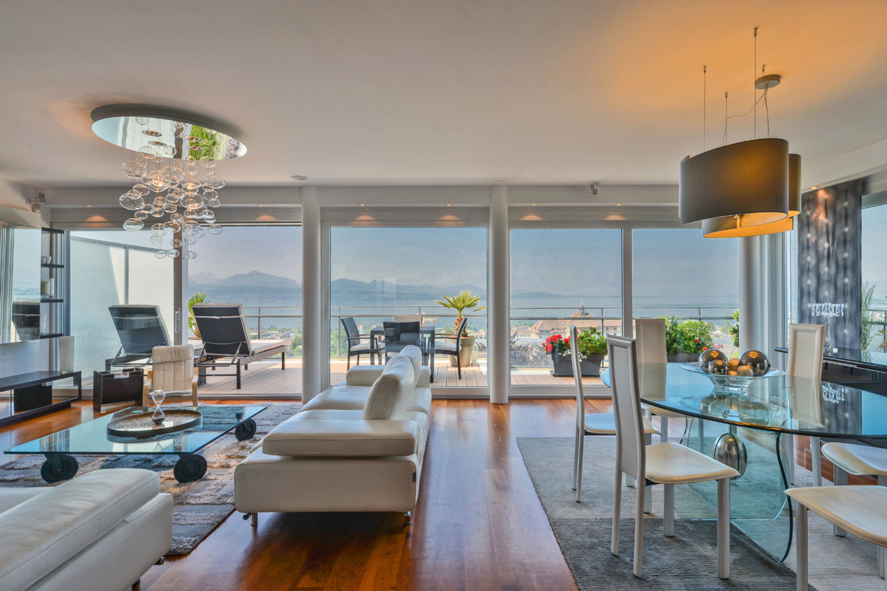 شقة للـ Sale في City Center - Penthouse 5 rooms with a 180 ° view on the lake Lausanne, Lausanne, Vaud, 1004 Switzerland