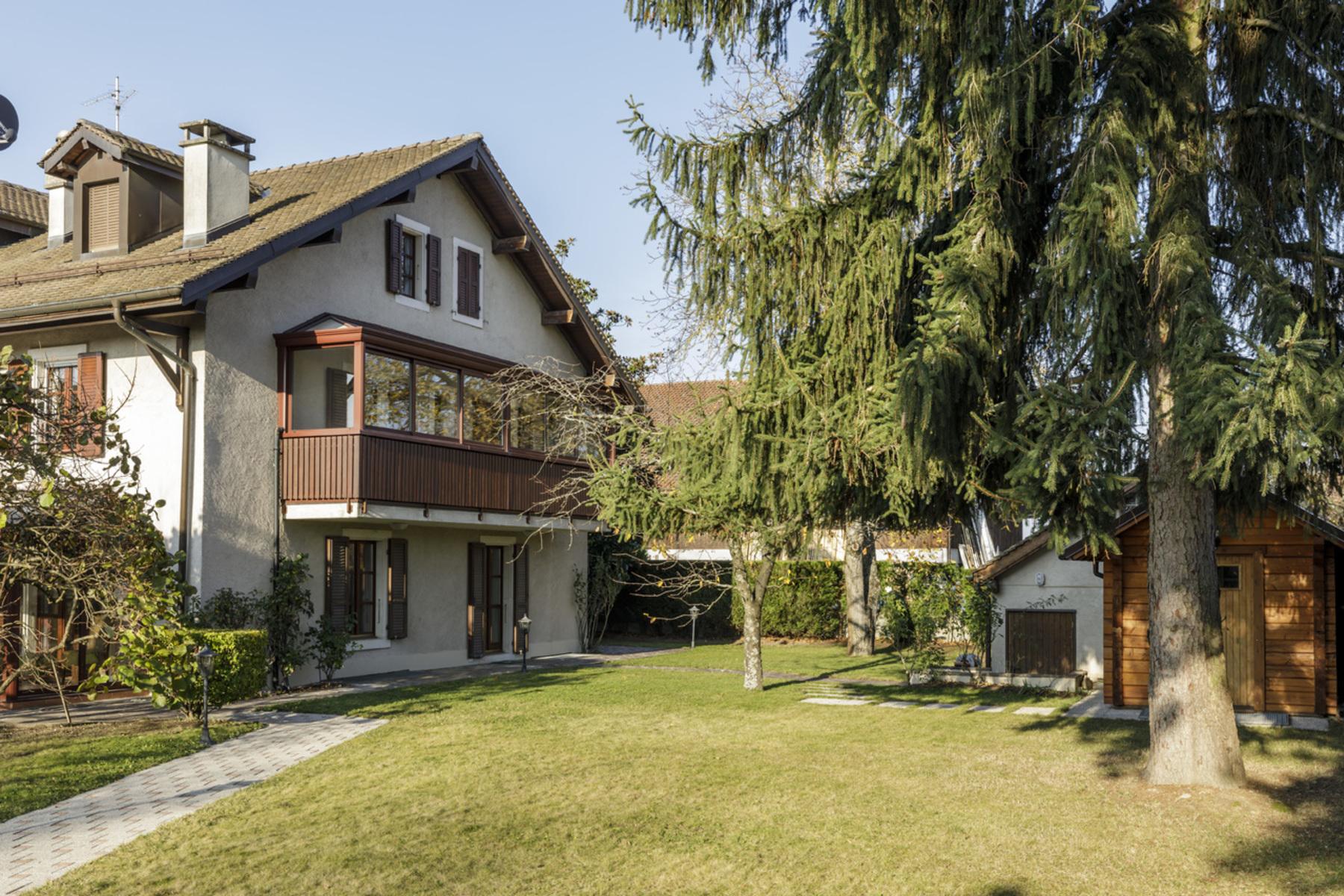 واحد منزل الأسرة للـ Sale في Rural property Large garden and private spa Collex, Other Switzerland, Other Areas In Switzerland, 1239 Switzerland