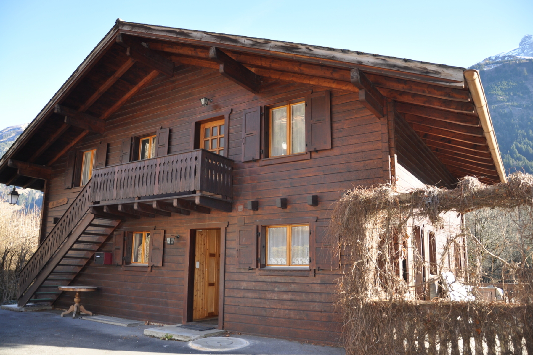 Casa Unifamiliar por un Venta en Traditionnal Chalet from 1968 in Champéry Champery, Valais, 1874 Suiza