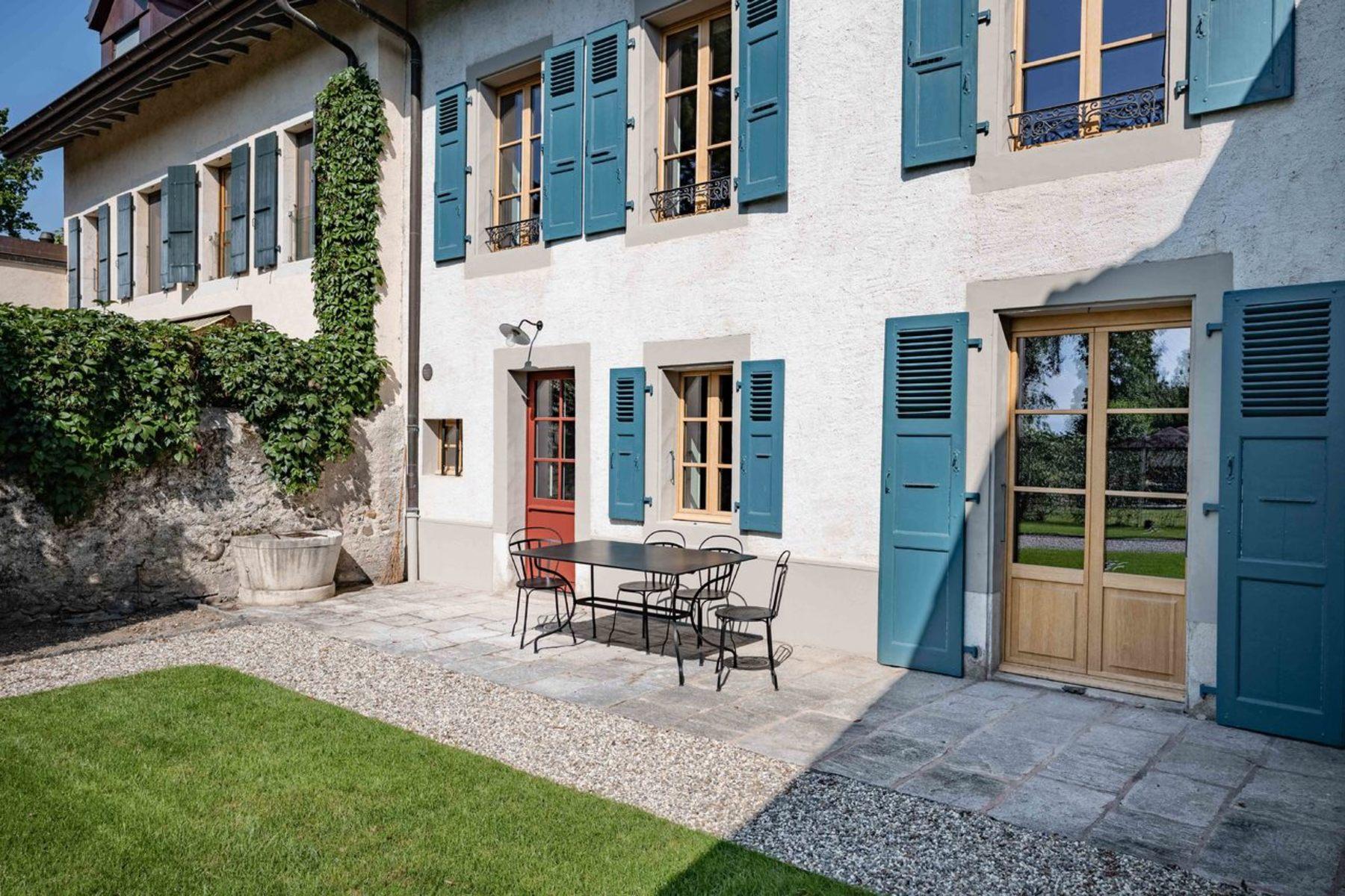 Single Family Homes のために 売買 アット The charm of a bright village house Mies Mies, ヴォー 1295 スイス