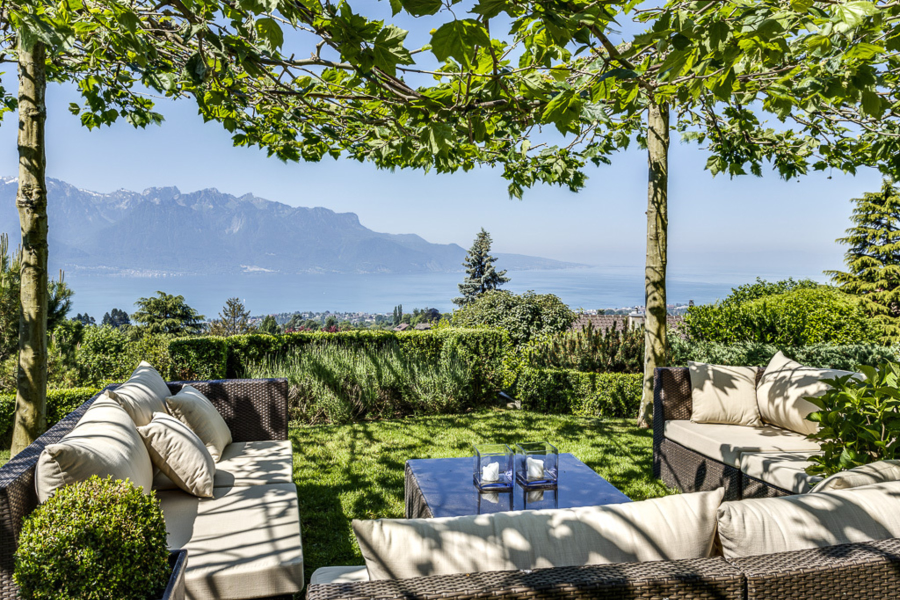 Casa Unifamiliar por un Venta en Exquisite 6.5 room family home Superb views over the lake Blonay Blonay, Vaud, 1807 Suiza