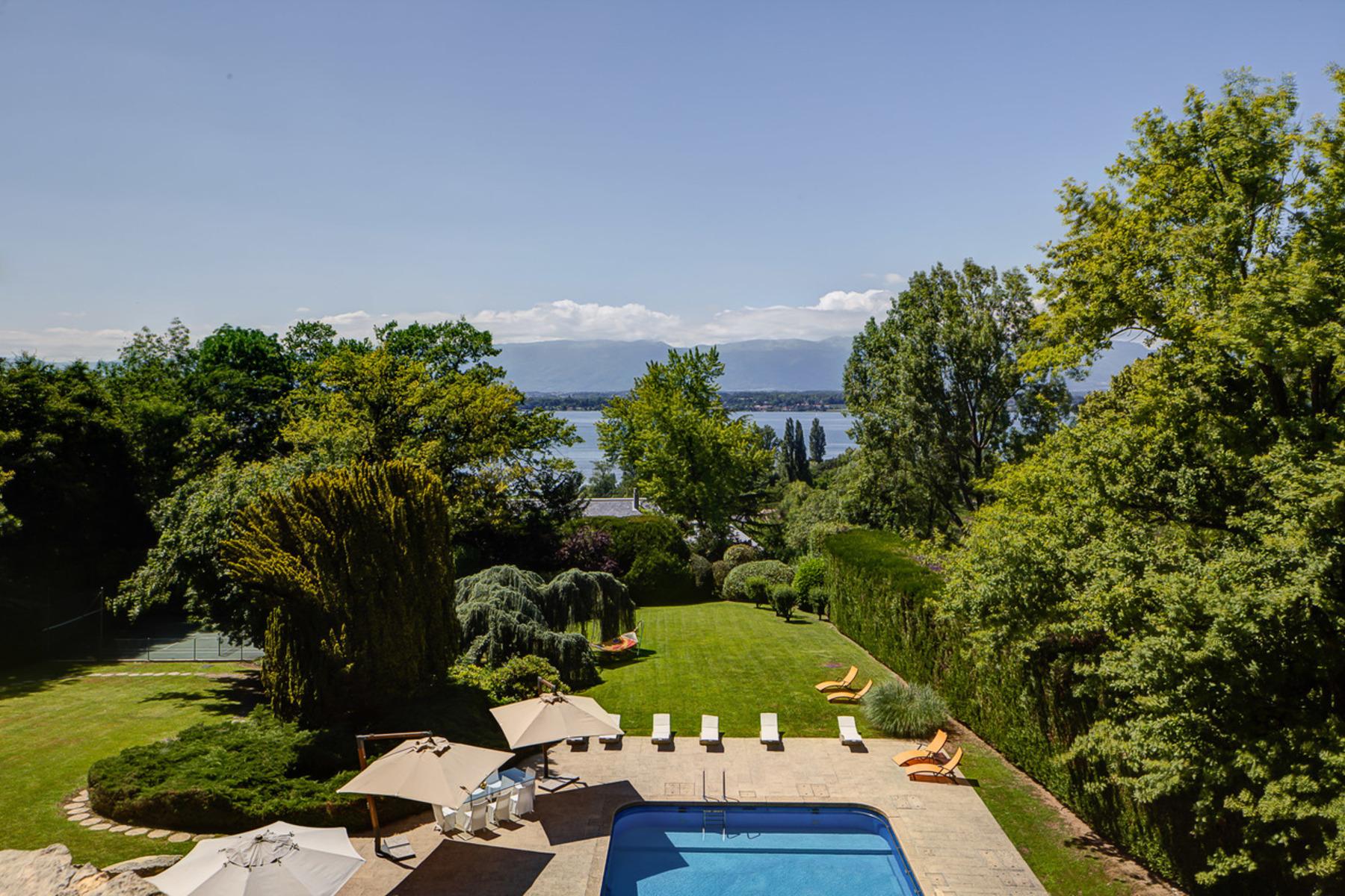 Single Family Homes 为 销售 在 Superb property with view over the lake Vésenaz Vesenaz, 日内瓦 1222 瑞士