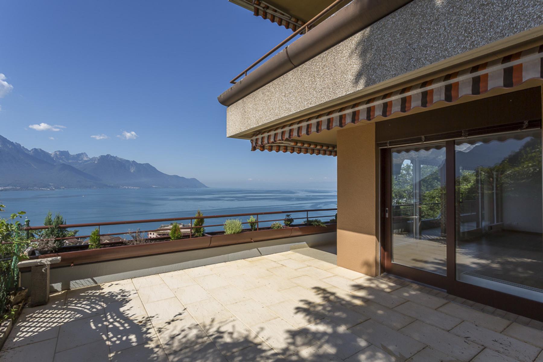Appartement en copropriété pour l Vente à Magnificent 4.5 room apartment with balcony and terraces Breathtaking panoramic Territet Montreux, Vaud 1820 Suisse