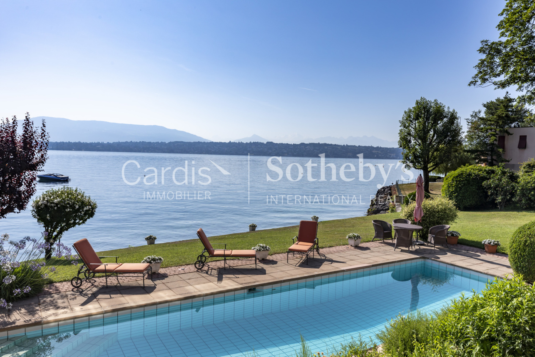 Single Family Homes for Sale at The dream comes true : Waterfront villa in Bellevue Bellevue Bellevue, Geneva 1293 Switzerland