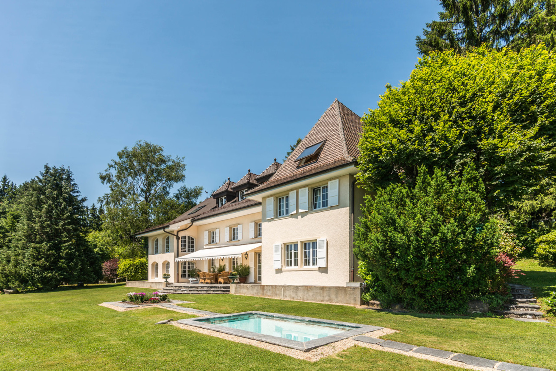 Single Family Home for Sale at Charming property overlooking the UNESCO World Heritage Site Grandvaux, Grandvaux, Vaud, 1091 Switzerland