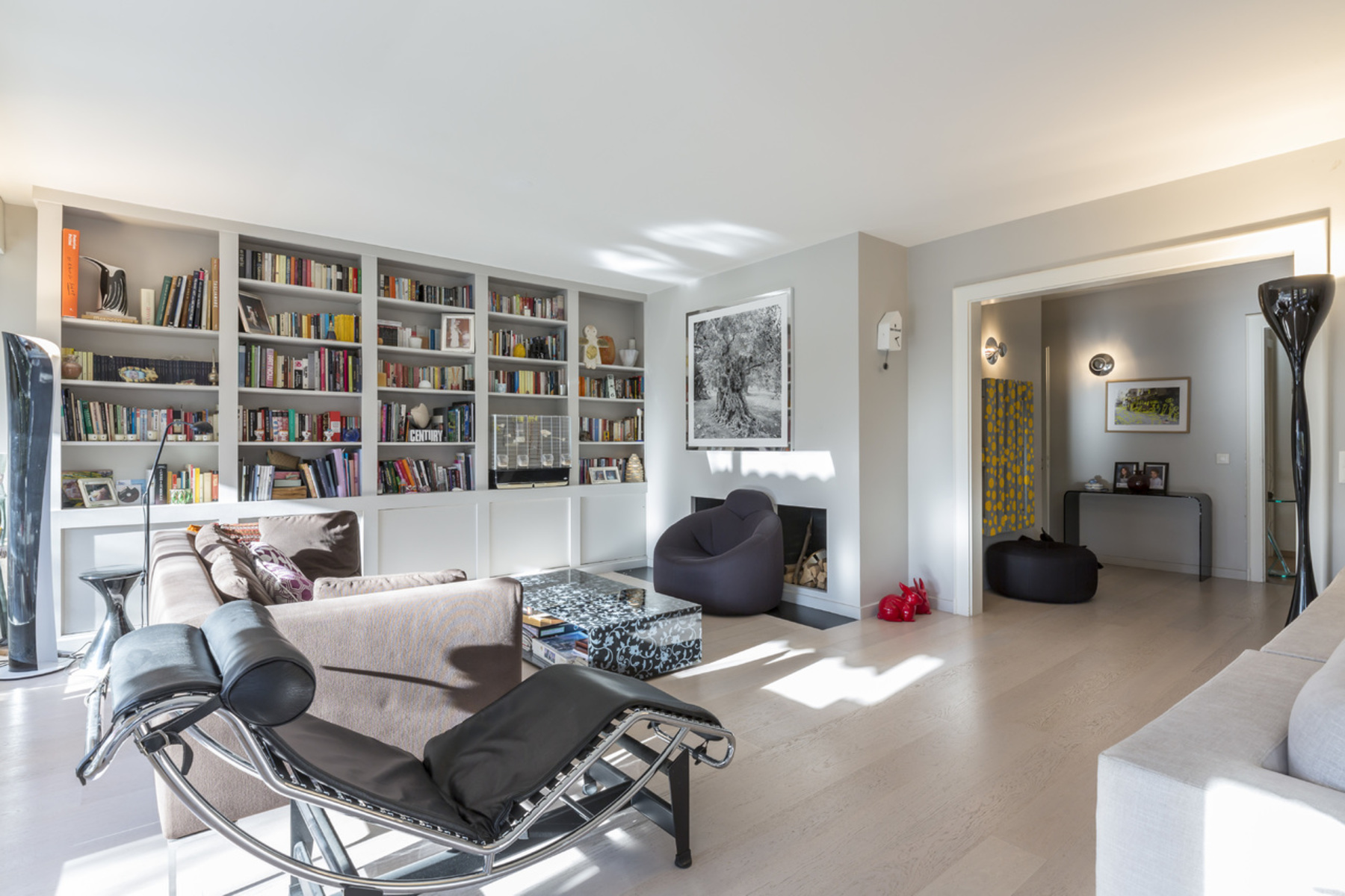 Additional photo for property listing at Modern, fully renovated apartment Cologny Cologny, Geneva 1223 Switzerland