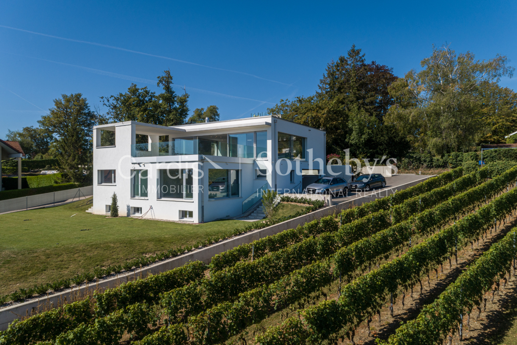 Single Family Homes のために 売買 アット Incredible contemporary house ideally located Route de Founex 102 Coppet, ヴォー 1296 スイス