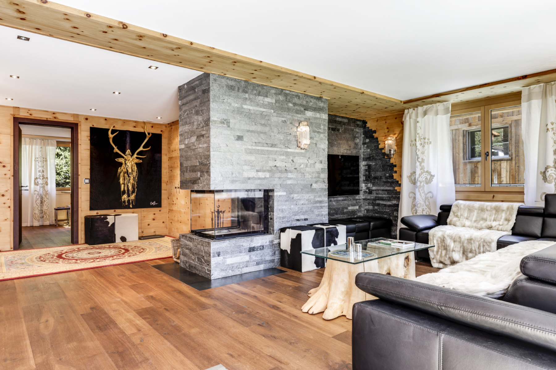 Apartment for Sale at Stylish ski-in ski-out apartment in the Tuftra area Zermatt, Valais, 3920 Switzerland