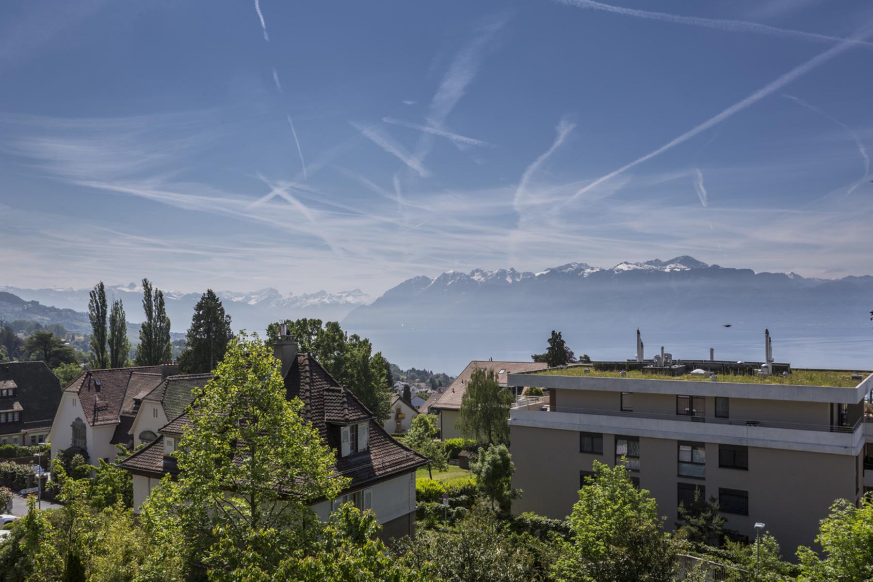 콘도미니엄 용 매매 에 Spacious 212 m² apartment with view over the lake and mountains Pully, Pully, 바우드, 1009 스위스