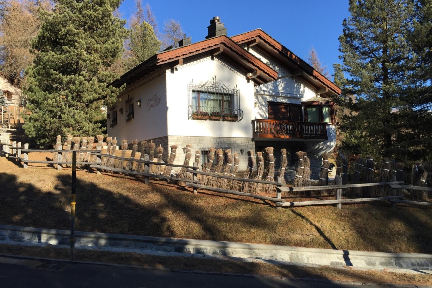 Single Family Homes por un Venta en Engadin Chalet in the Suvretta area St. Moritz, Grisons 7500 Suiza