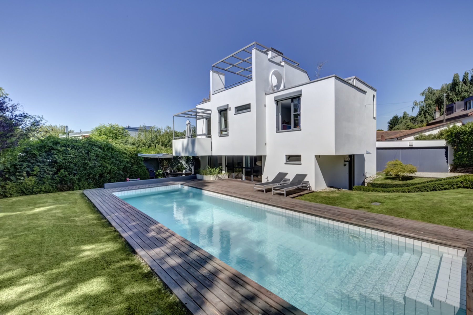 Single Family Homes のために 売買 アット Exclusive Magnificent contemporary villa with swimming pool Vésenaz Vesenaz, ジュネーブ 1222 スイス