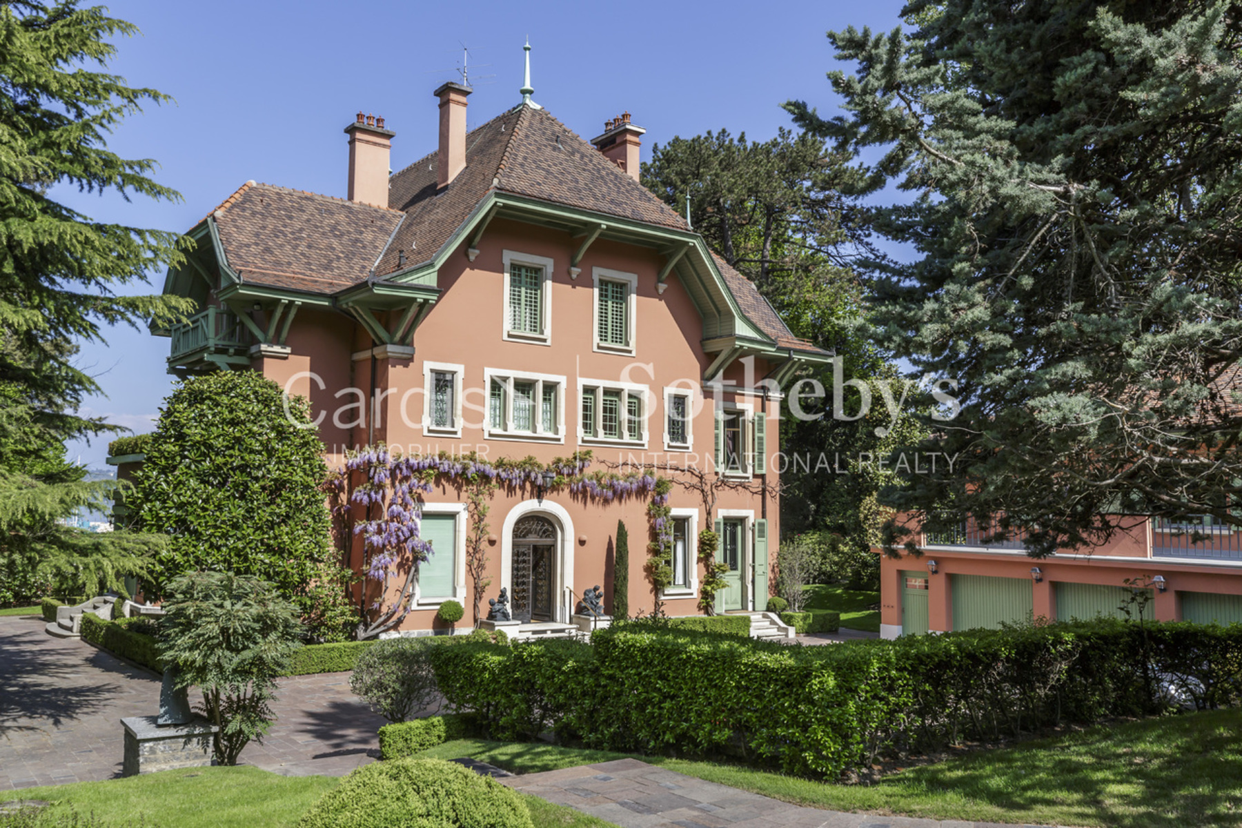 Single Family Homes 为 销售 在 Beautiful mansion on the shores of the lake ! Cologny Cologny, 日内瓦 1223 瑞士