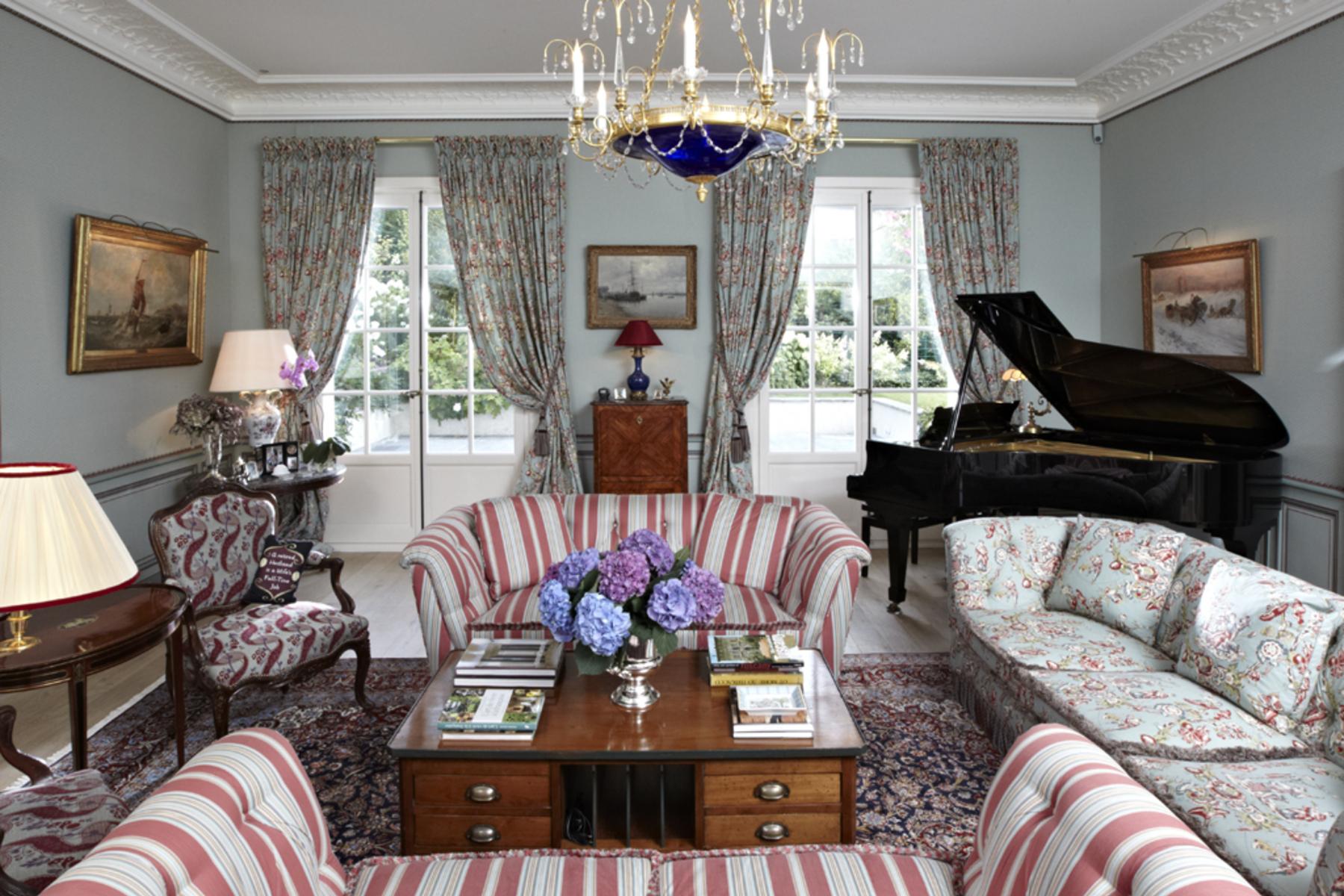 Additional photo for property listing at Superb mansion close to Denantou park Lausanne 洛桑, 沃州 1006 瑞士