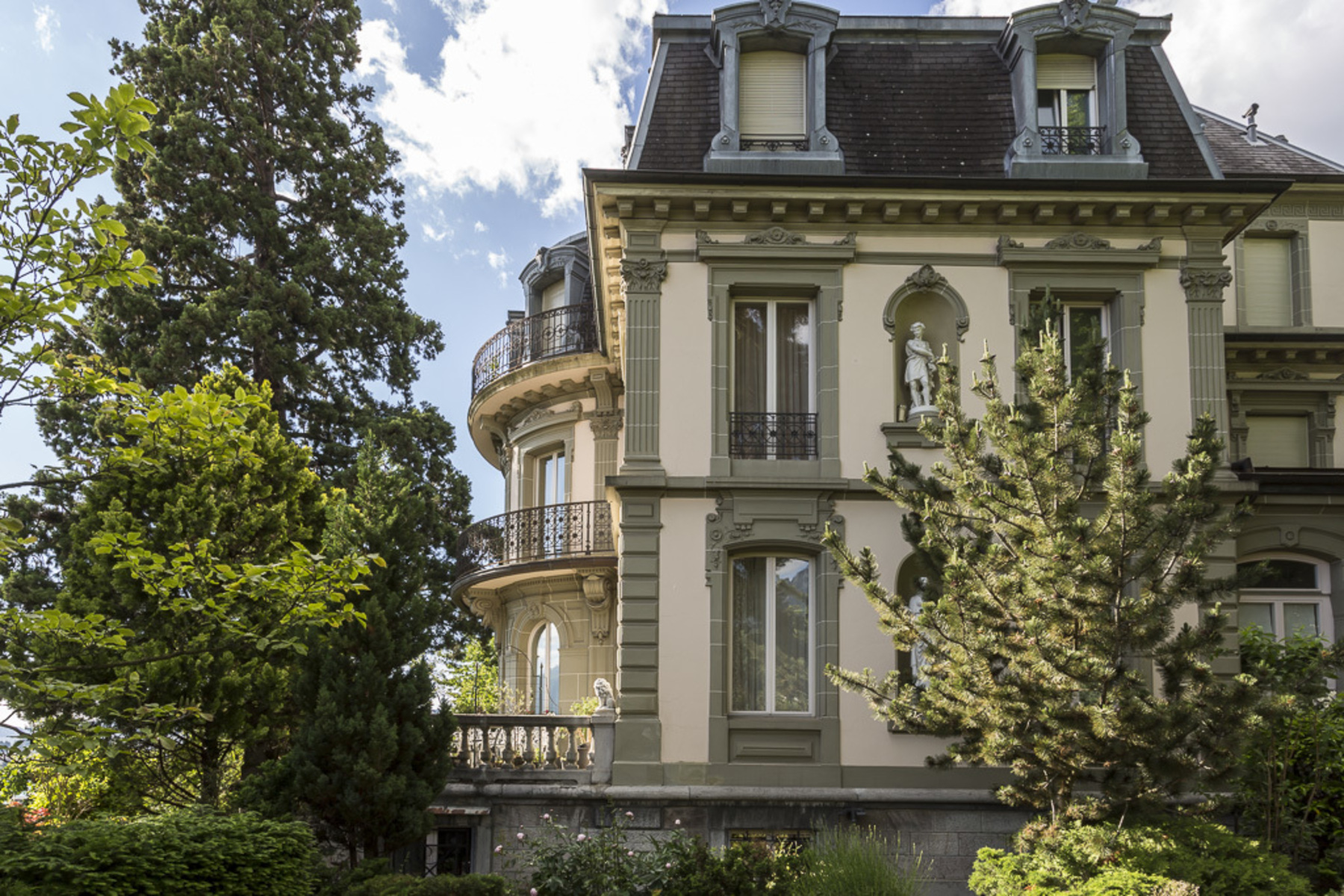 Condominium for Sale at 4.5-room apartment Luxury residence in leafy surroundings Montreux Montreux, Vaud, 1820 Switzerland