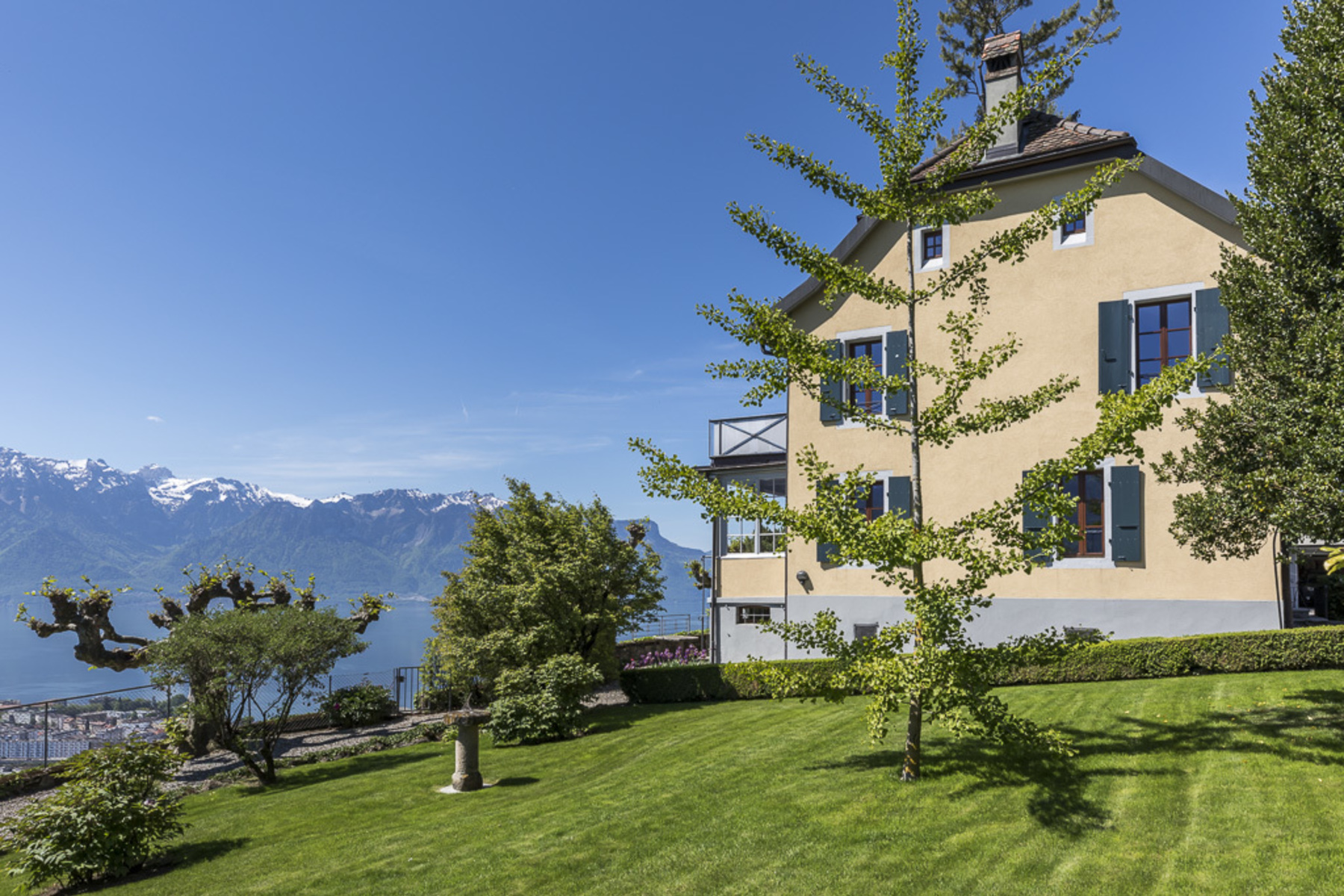 Maison unifamiliale pour l Vente à Rare property in the heart of Lavaux with spectacular lake view Jongny Jongny, Vaud, 1805 Suisse