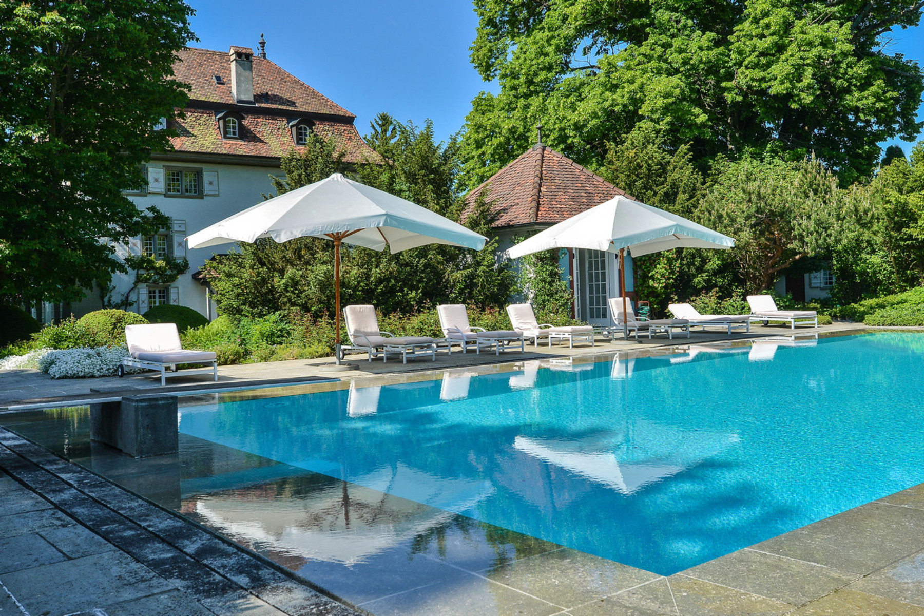 Single Family Home for Sale at Superb 16th-century mansion Idyllic setting Ependes Ependes, Fribourg, 1731 Switzerland