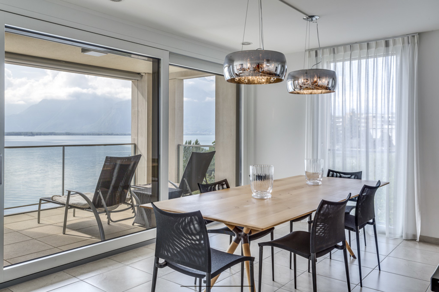 Additional photo for property listing at Luxury 3.5 room apartment in the Le National residential complex Montreux Montreux, Vaud 1820 Suisse