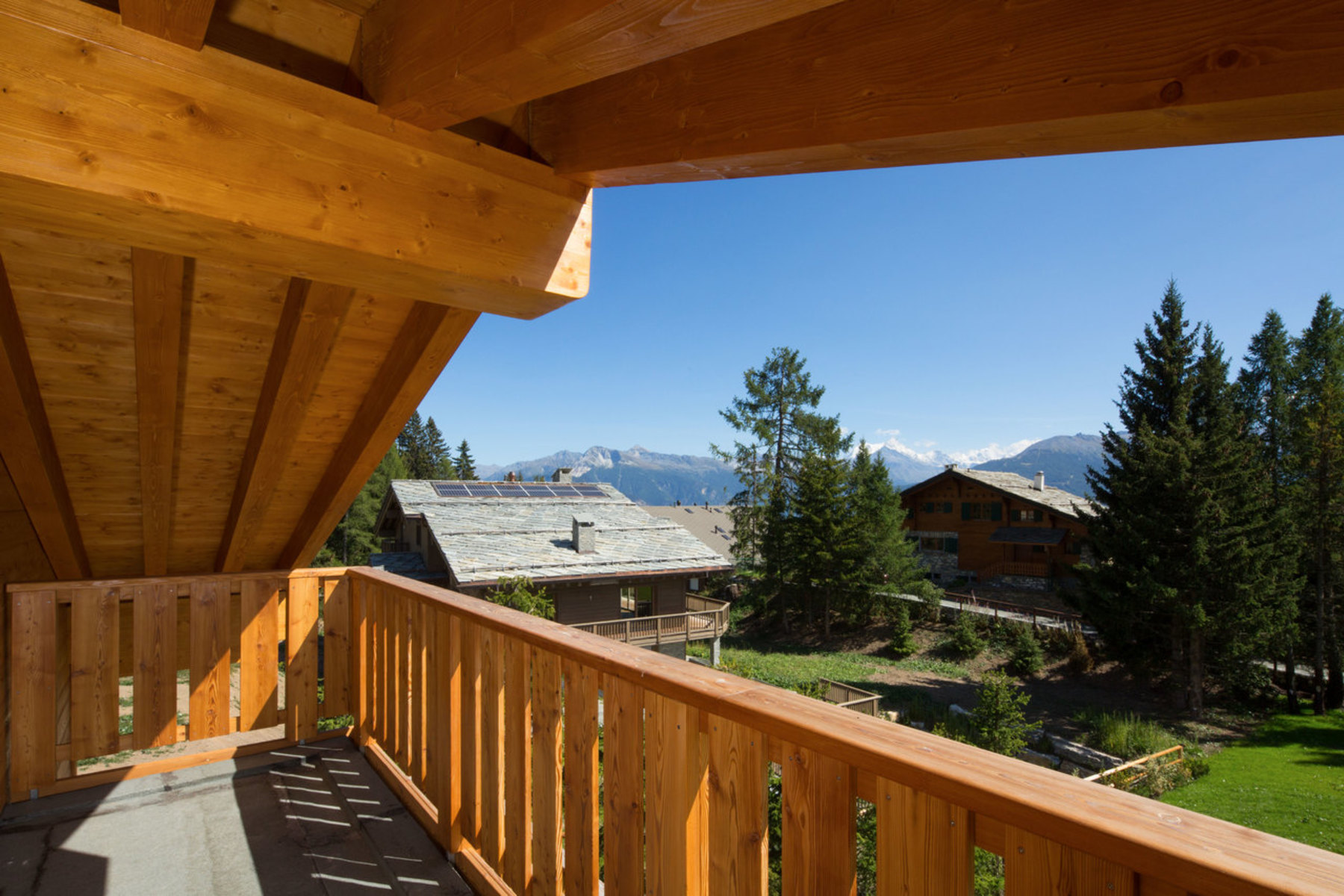 Additional photo for property listing at Magnificent new chalet in a rural setting in Plans-Mayens Crans-Montana Crans, Valais 3963 Suisse