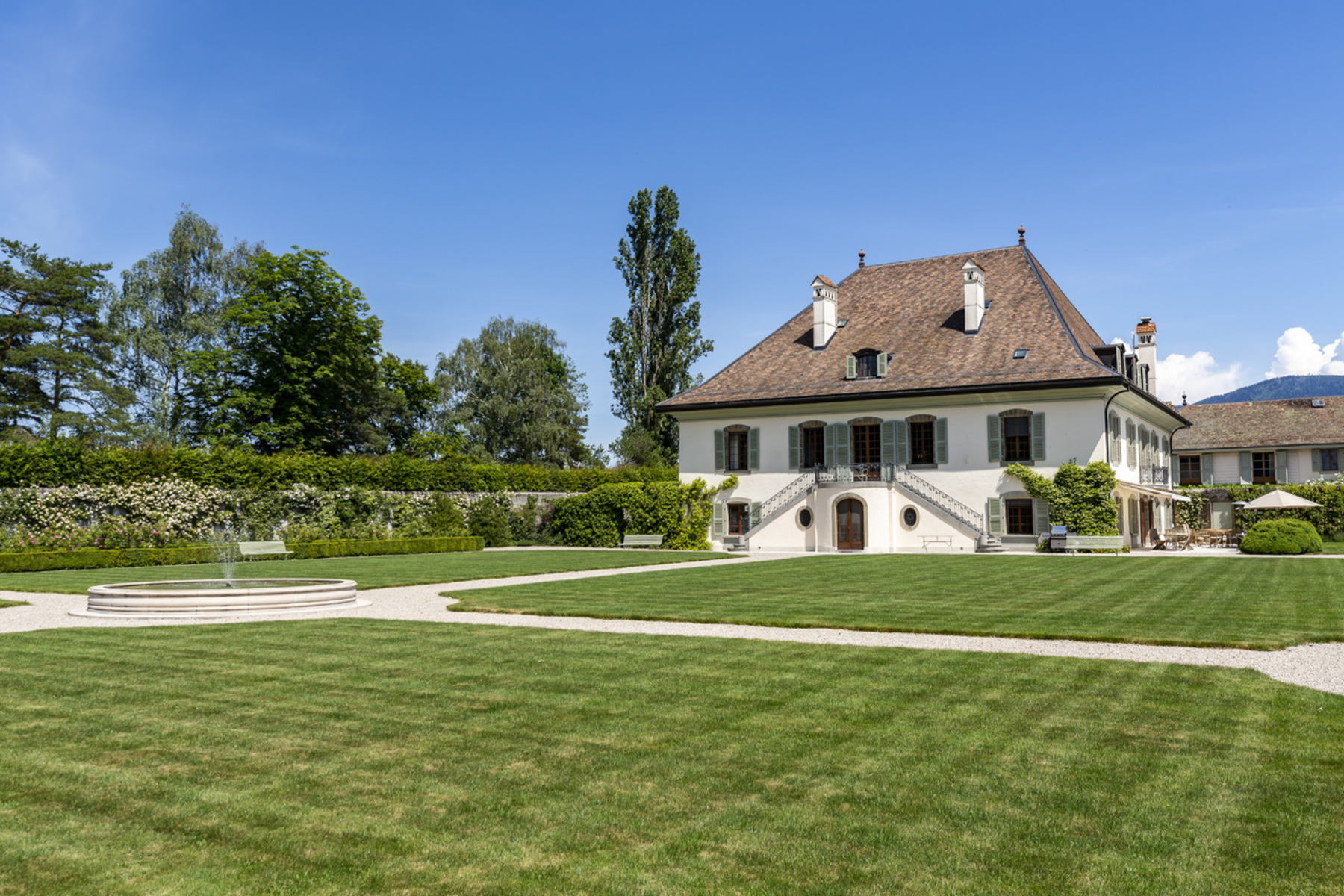 Additional photo for property listing at Royal Estate Merlinge Castle Gy Other Geneve, genever 1252 Schweiz
