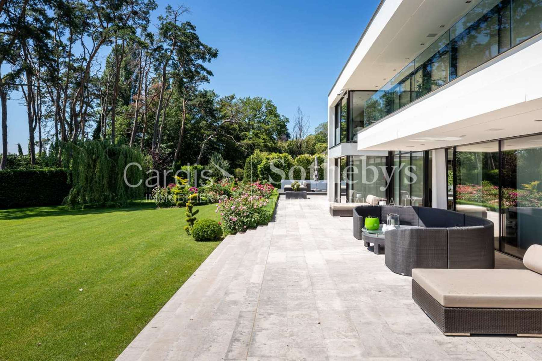 Additional photo for property listing at W A T E R F R O N T Morges Morges, Vaud 1110 Suiza