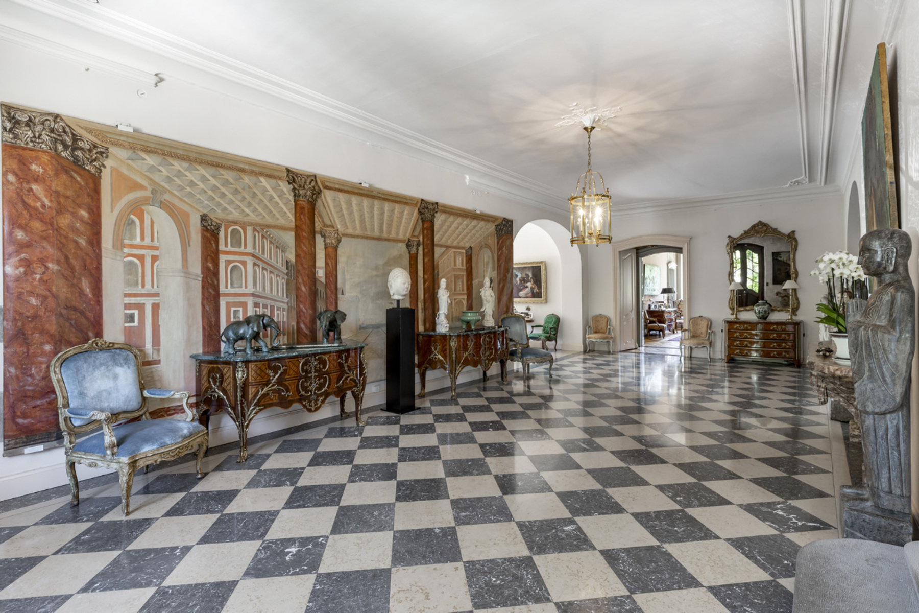Additional photo for property listing at Royal Estate Merlinge Castle Gy Other Geneve, Γενεύη 1252 Ελβετία