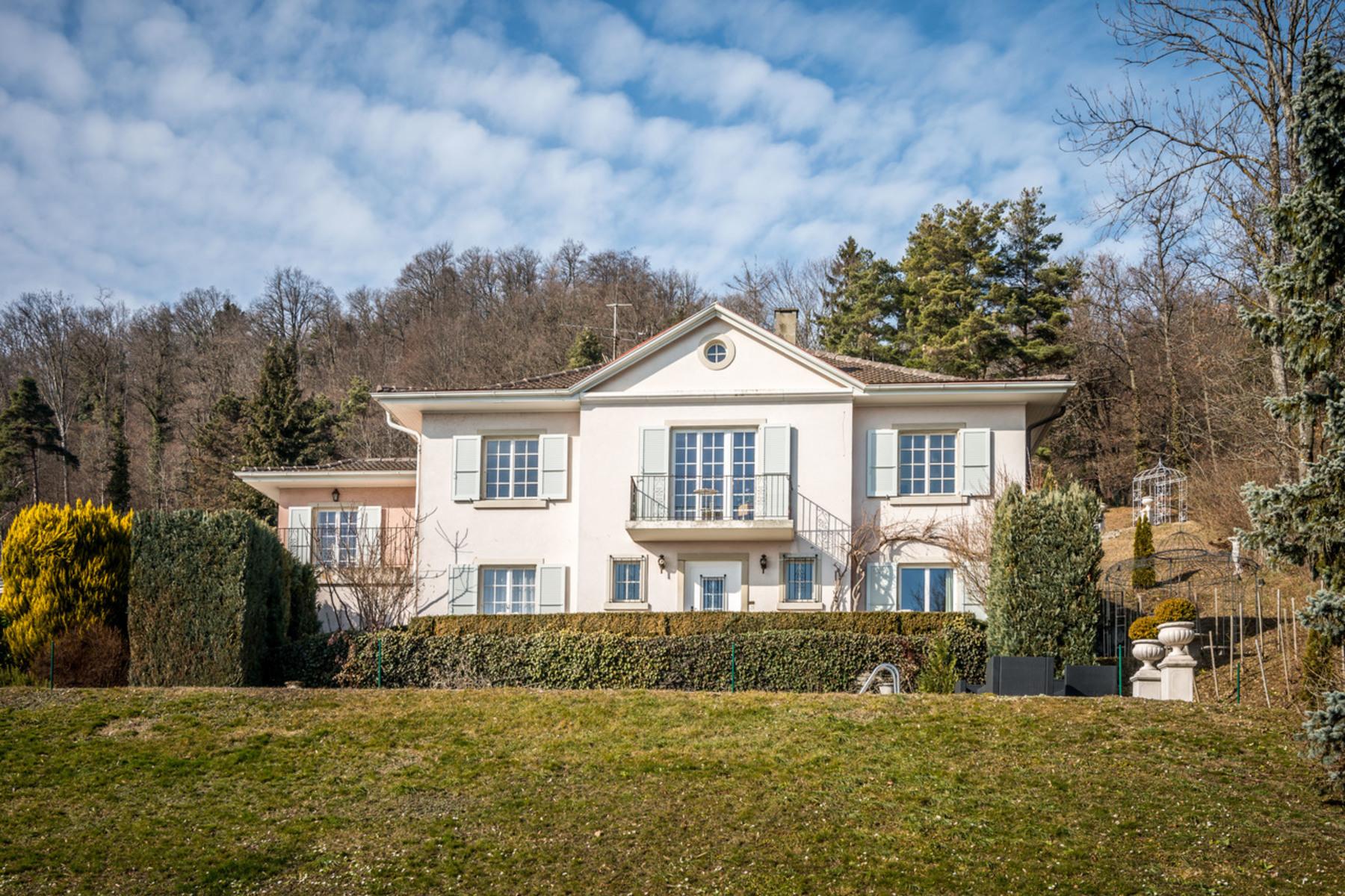 Casa Unifamiliar por un Venta en Elegant house with view Perroy Other Switzerland, Otras Áreas En Suiza, 1166 Suiza