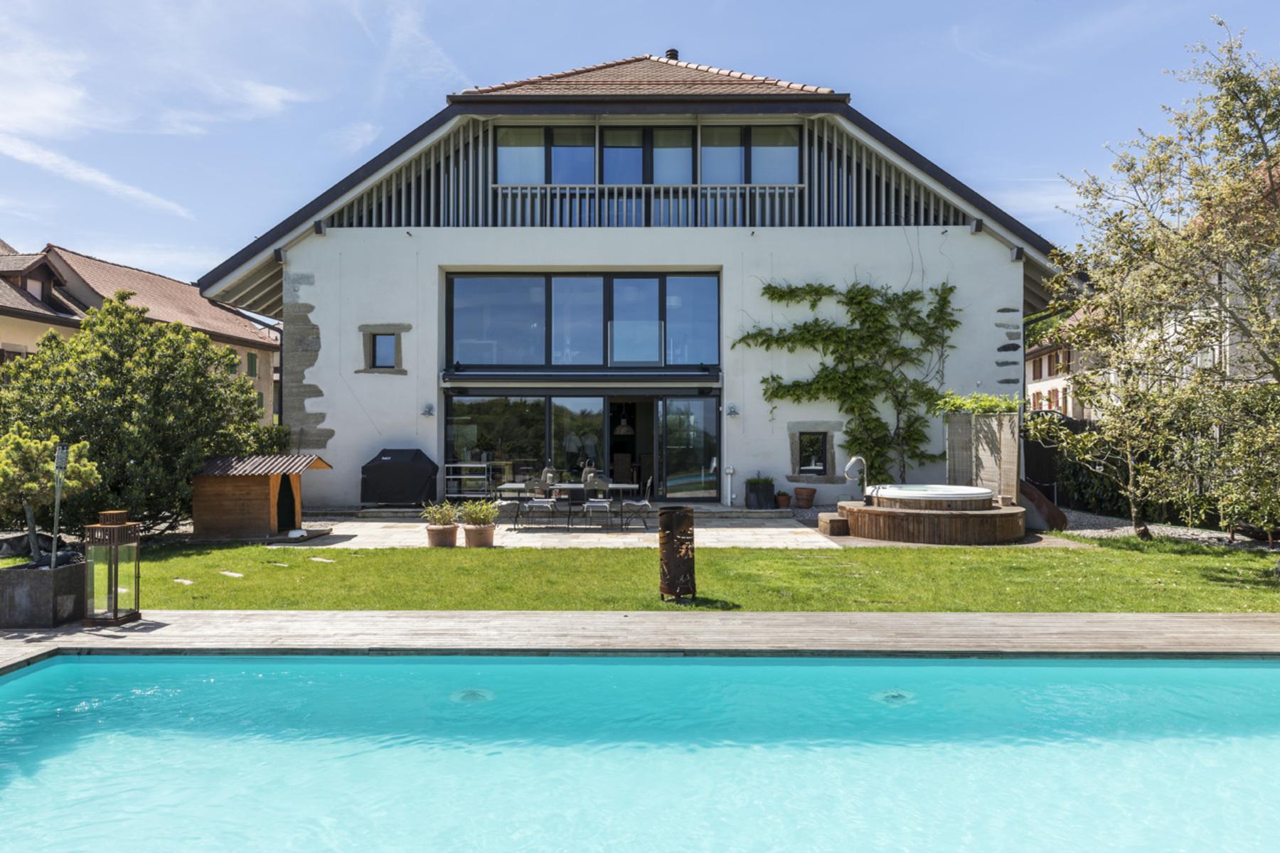 Частный односемейный дом для того Продажа на Modern property with exceptional character Campagne Yverdonnoise Villars-Epeney, Во, 1404 Швейцария
