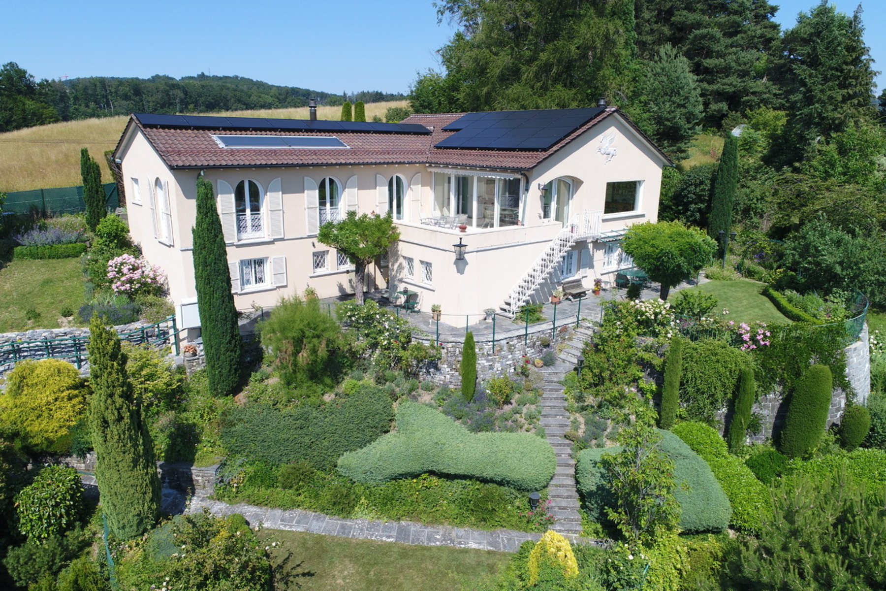 Single Family Home for Sale at Beautiful classical property offering 8.5 rooms - First-class address Lausanne Lausanne, Vaud, 1012 Switzerland