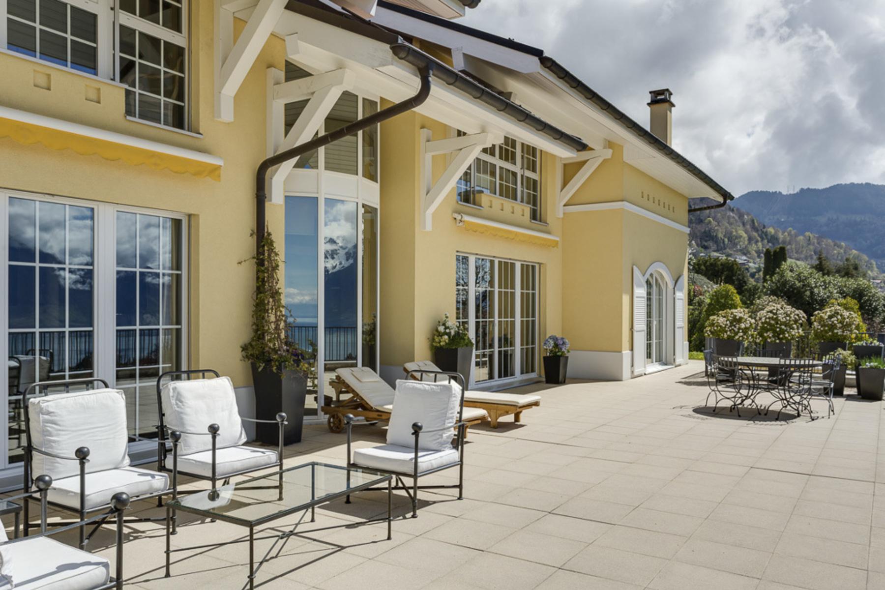 独户住宅 为 销售 在 Elegant mansion Panoramic view over the lake and absolute tranquillity St-Légier-La Chiésaz St Legier La Chiesaz, 沃州, 1806 瑞士