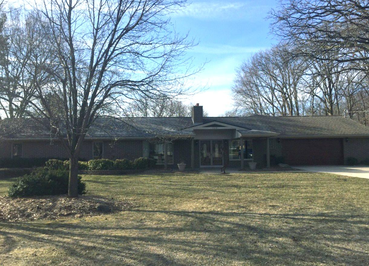 独户住宅 为 销售 在 Troy 640 E Wattles Road New Troy, 密歇根州, 48085 美国