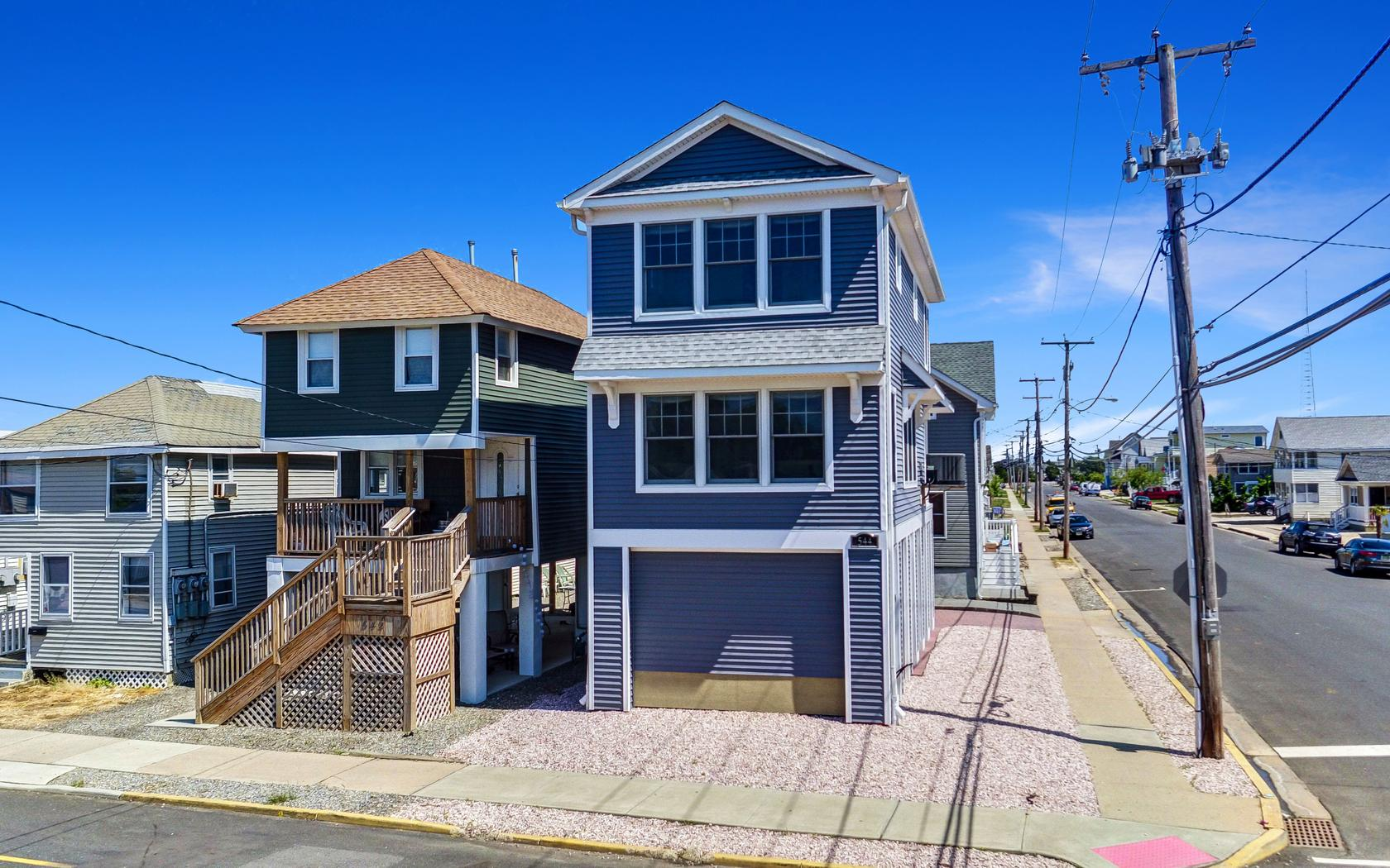 Single Family Home for Sale at Soho Of The Jersey Shore 544 Brielle Rd Manasquan, New Jersey 08736 United States