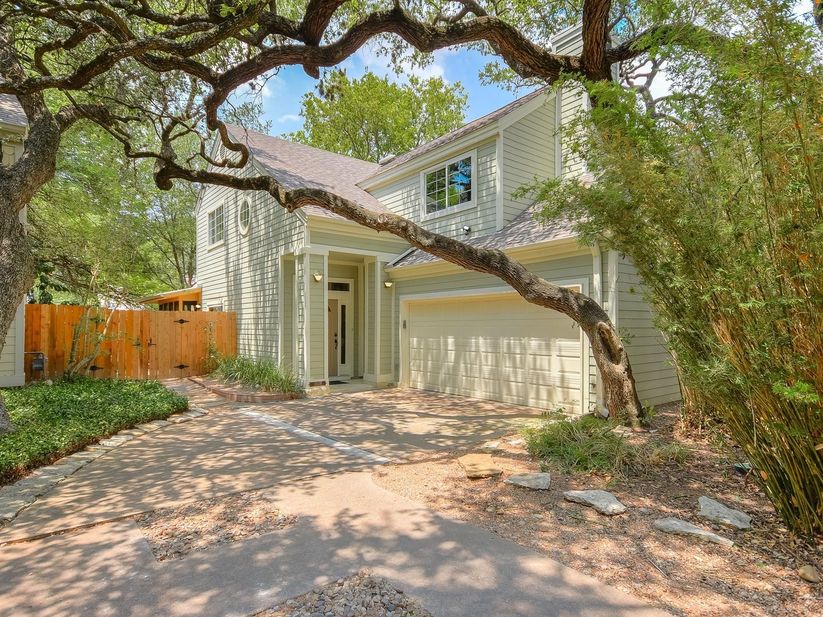 Vivienda unifamiliar por un Alquiler en Travis Heights Condo with Beautiful Finishes 1702 Newning Ave # B Austin, Texas 78704 Estados Unidos