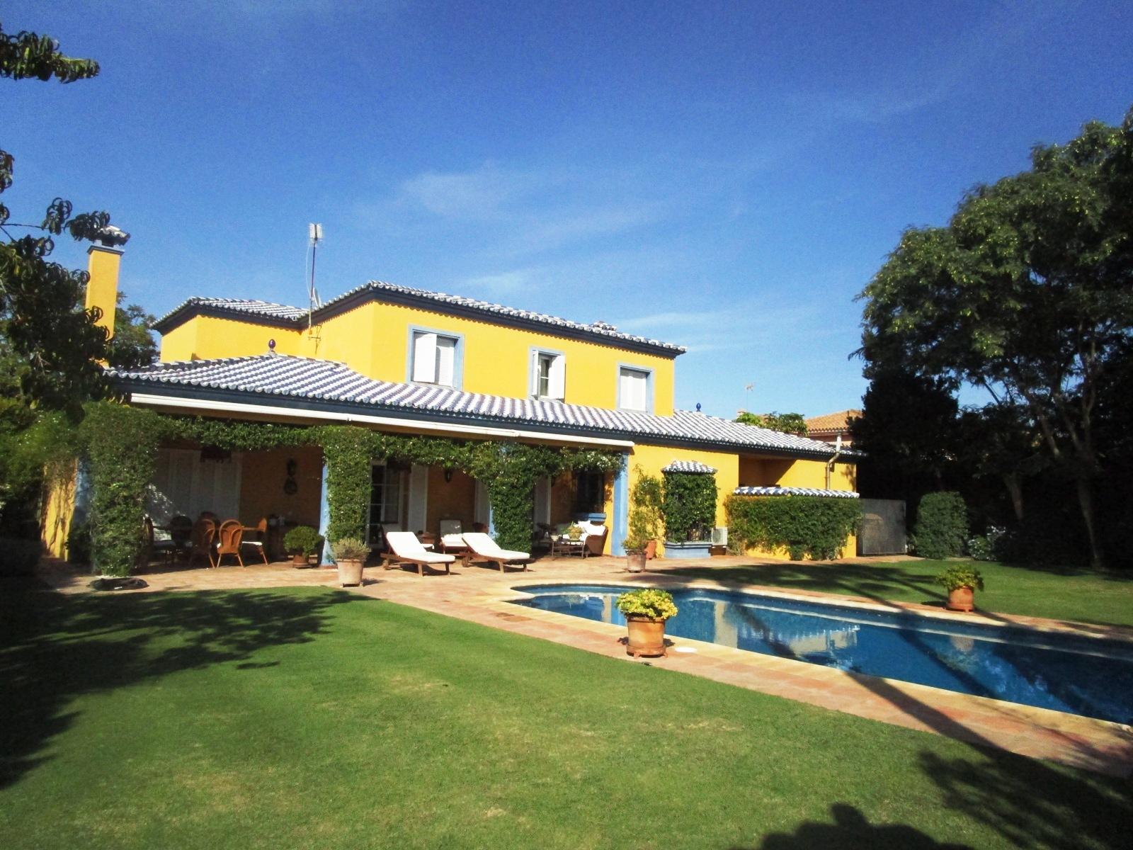 Maison unifamiliale pour l à vendre à Splendid 4 bedroom villa in Sotogrande Costa Soto Bajo/costa, Sotogrande, Andalousie, 11310 Espagne
