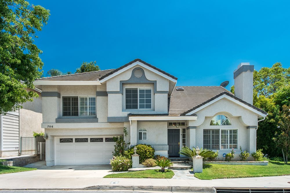 Maison unifamiliale pour l Vente à 706 Bellagio Ct, Oak Park 91377 706 Bellagio Court Oak Park, Californie, 91377 États-Unis