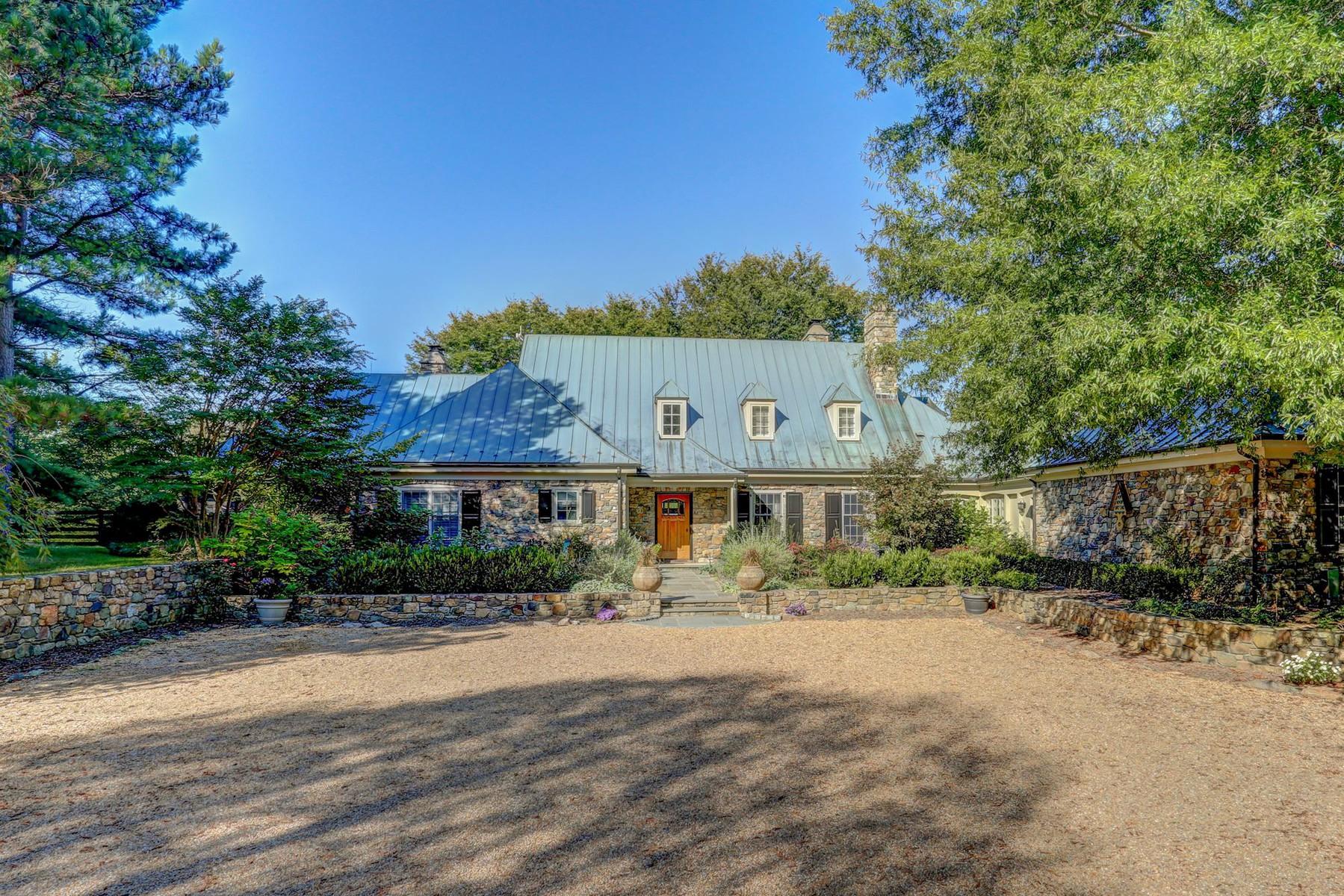 獨棟家庭住宅 為 出售 在 2380 Atoka Road, Marshall 2380 Atoka Rd Marshall, 弗吉尼亞州 20115 美國