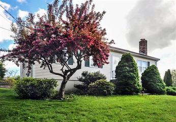Single Family Homes for Sale at 12 Harborview rd Hull, Massachusetts 02045 United States