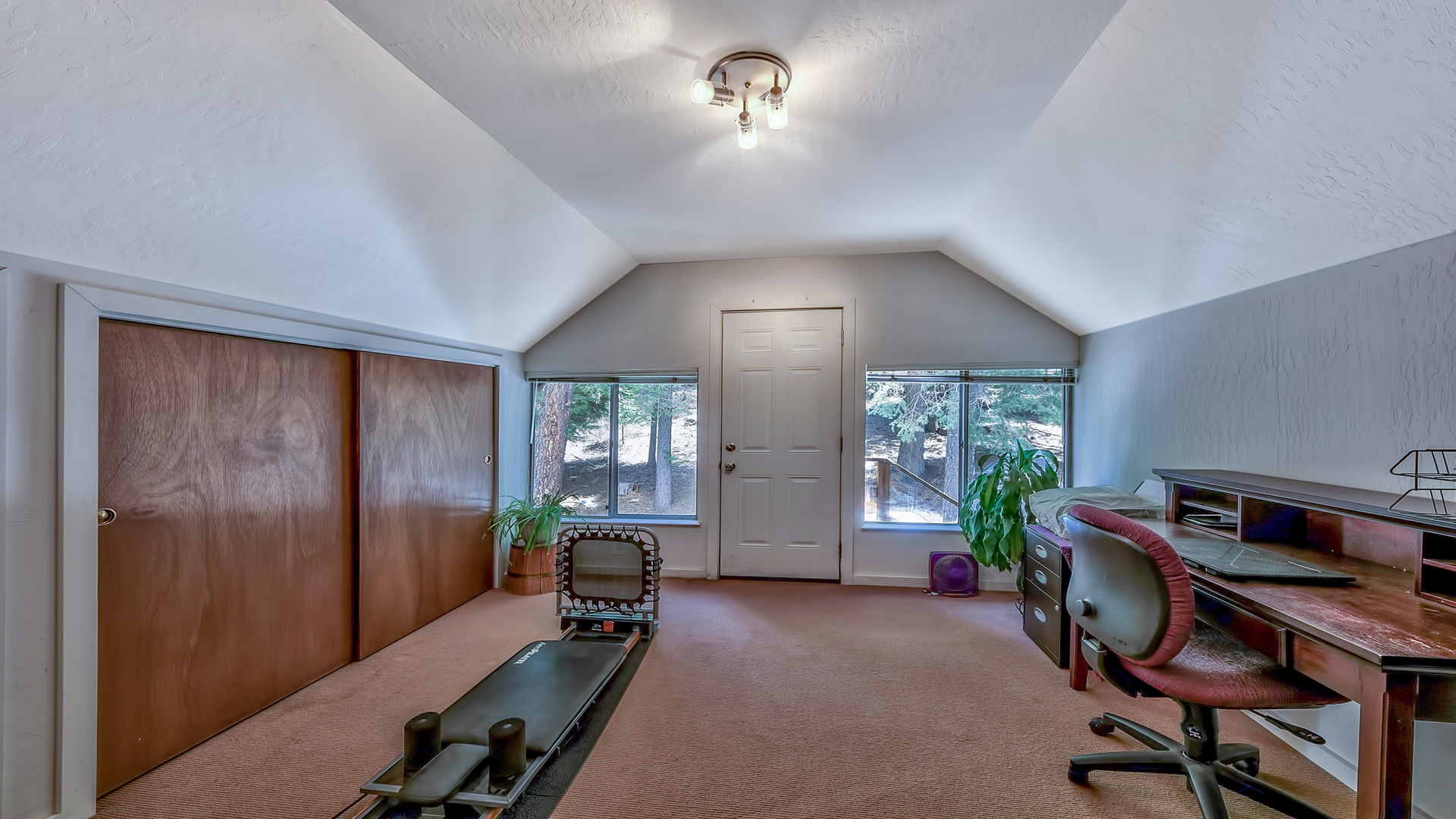 Additional photo for property listing at 7870 River Road Truckee, CA 96161 7870 River Road Truckee, California 96161 United States