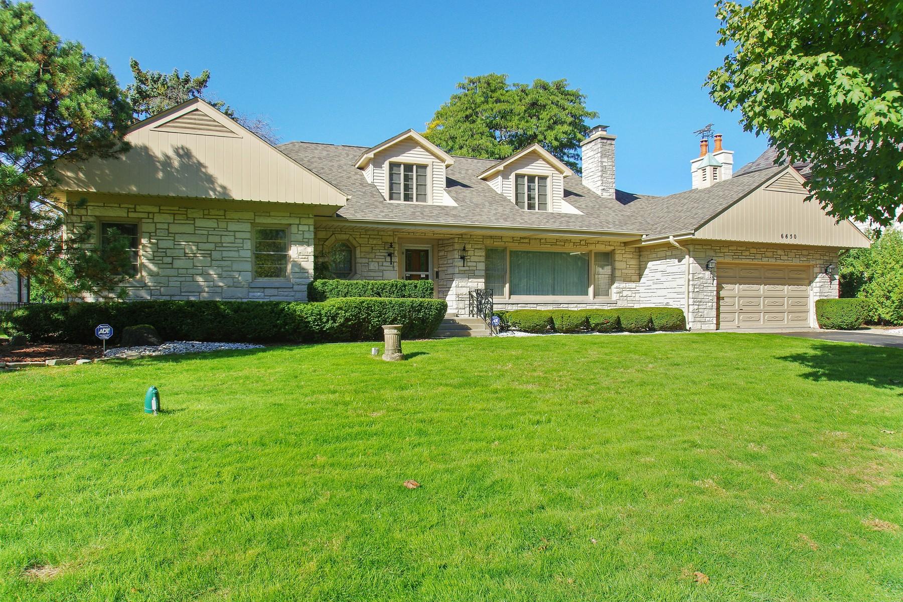 一戸建て のために 売買 アット Ranch Home in Lincolnwood Towers 6650 Navajo Avenue North Lincolnwood, イリノイ, 60712 アメリカ合衆国