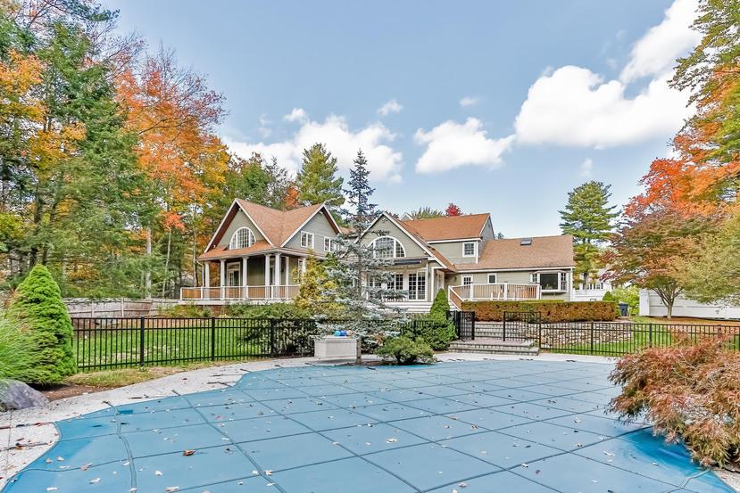 단독 가정 주택 용 매매 에 10 Dover Farm Rd, Medfield Medfield, 매사추세츠, 02052 미국