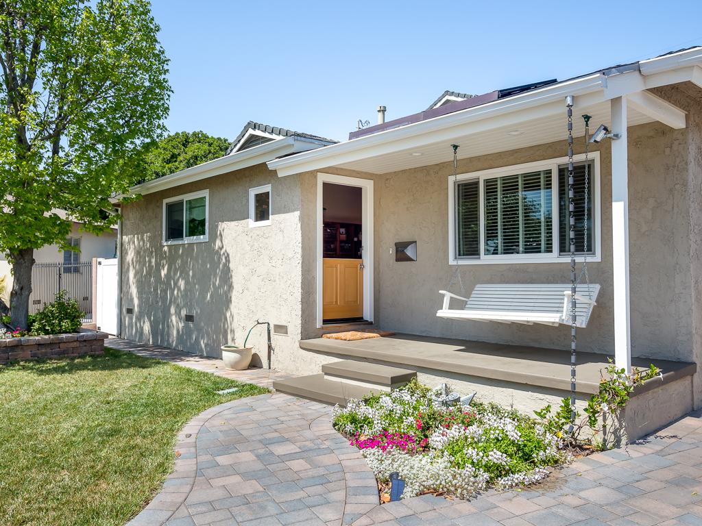 Частный односемейный дом для того Аренда на 1010 Firmona Ave Redondo Beach, Калифорния 90278 Соединенные Штаты