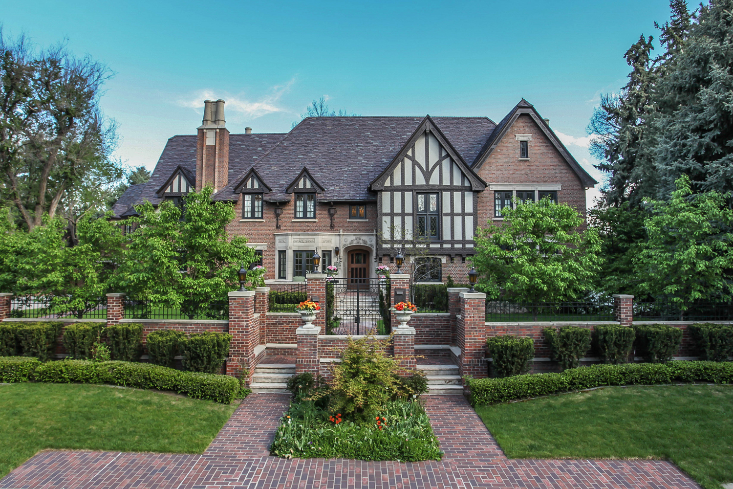 Casa Unifamiliar por un Venta en The Finest & Most Inspiring Property in Denver Country Club 575 Circle Drive Denver, Colorado 80206 Estados Unidos