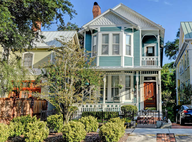 Single Family Home for Sale at Queen Ann-Style Historic Home 605 Dock Street Wilmington, North Carolina, 28401 United States