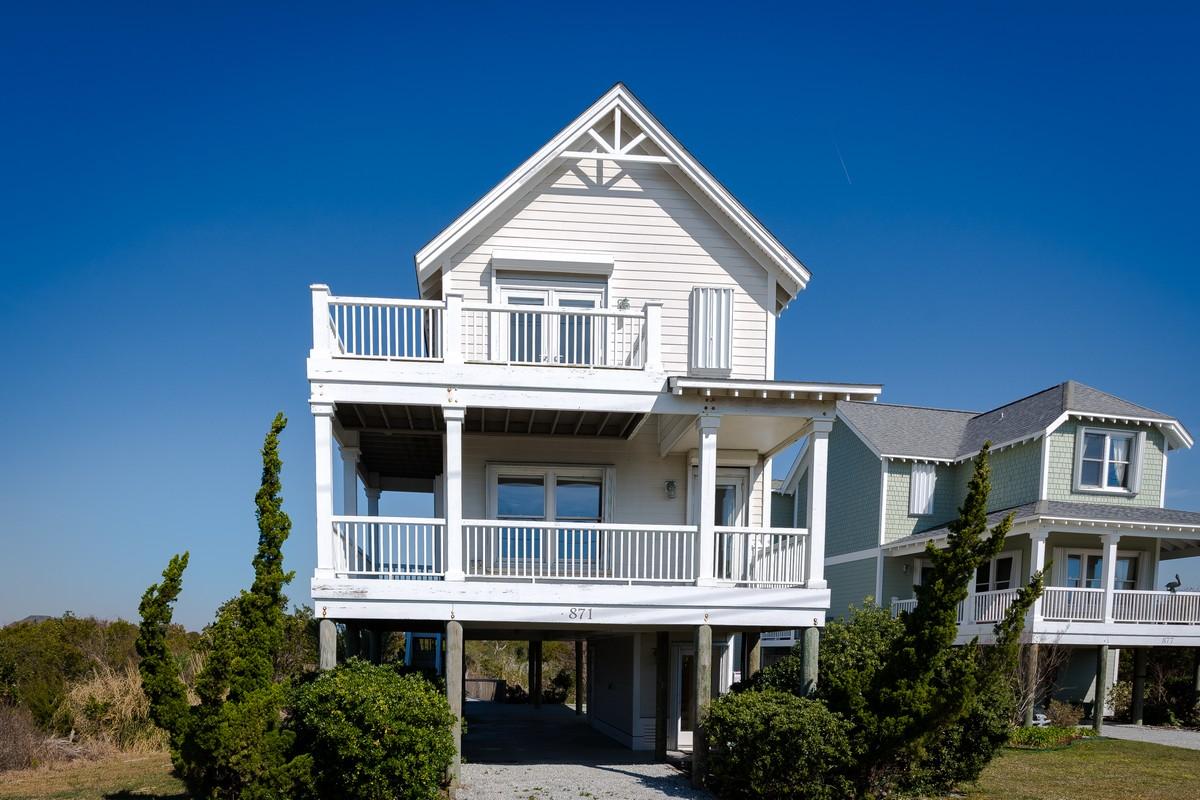 Maison unifamiliale pour l Vente à Marshfront Cottage with Privacy 871 New River Inlet Road N Topsail Beach, Carolina Du Nord, 28460 États-Unis