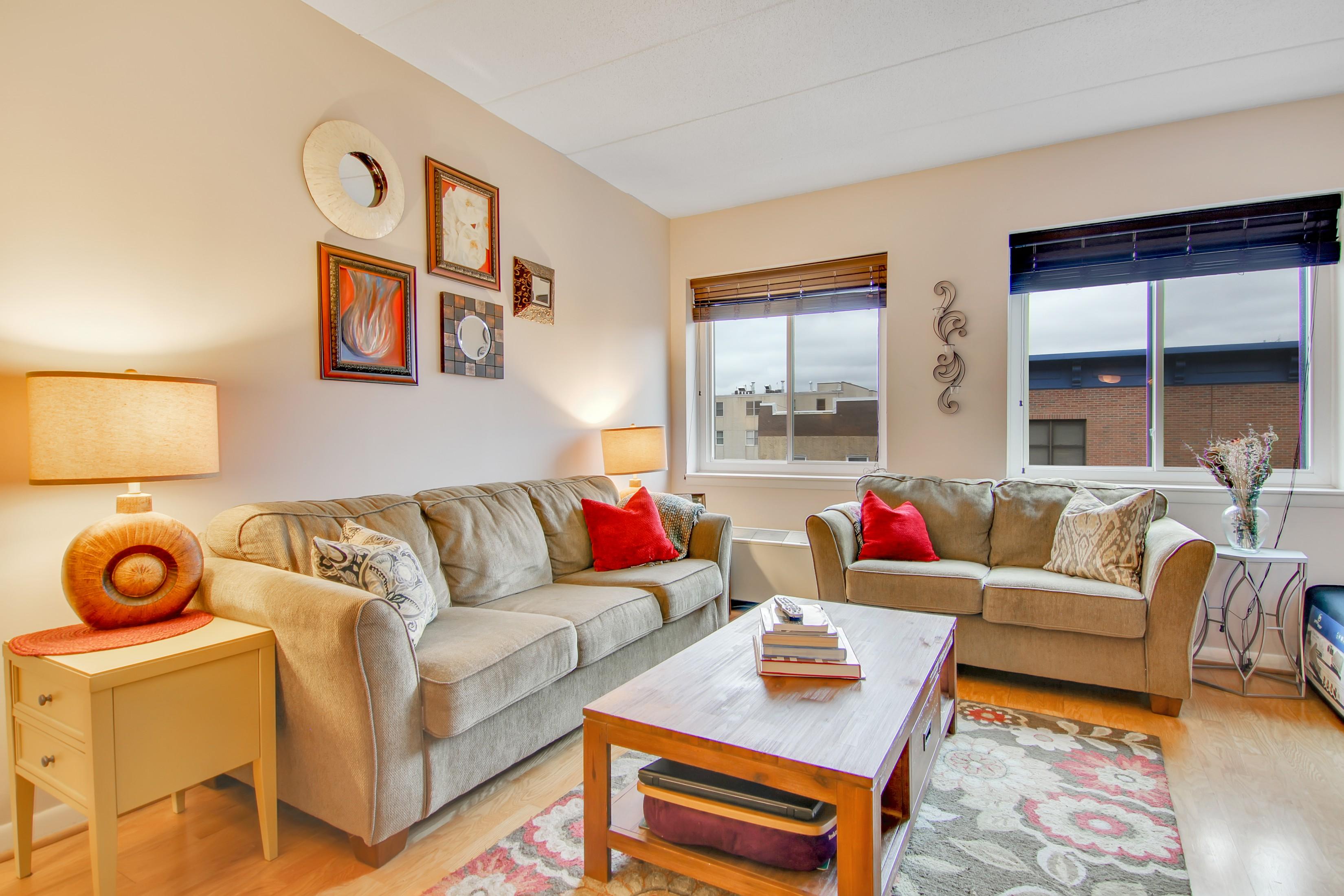 Квартира для того Аренда на Spacious One Bedroom 463 1st Street #5D Hoboken, Нью-Джерси 07030 Соединенные Штаты