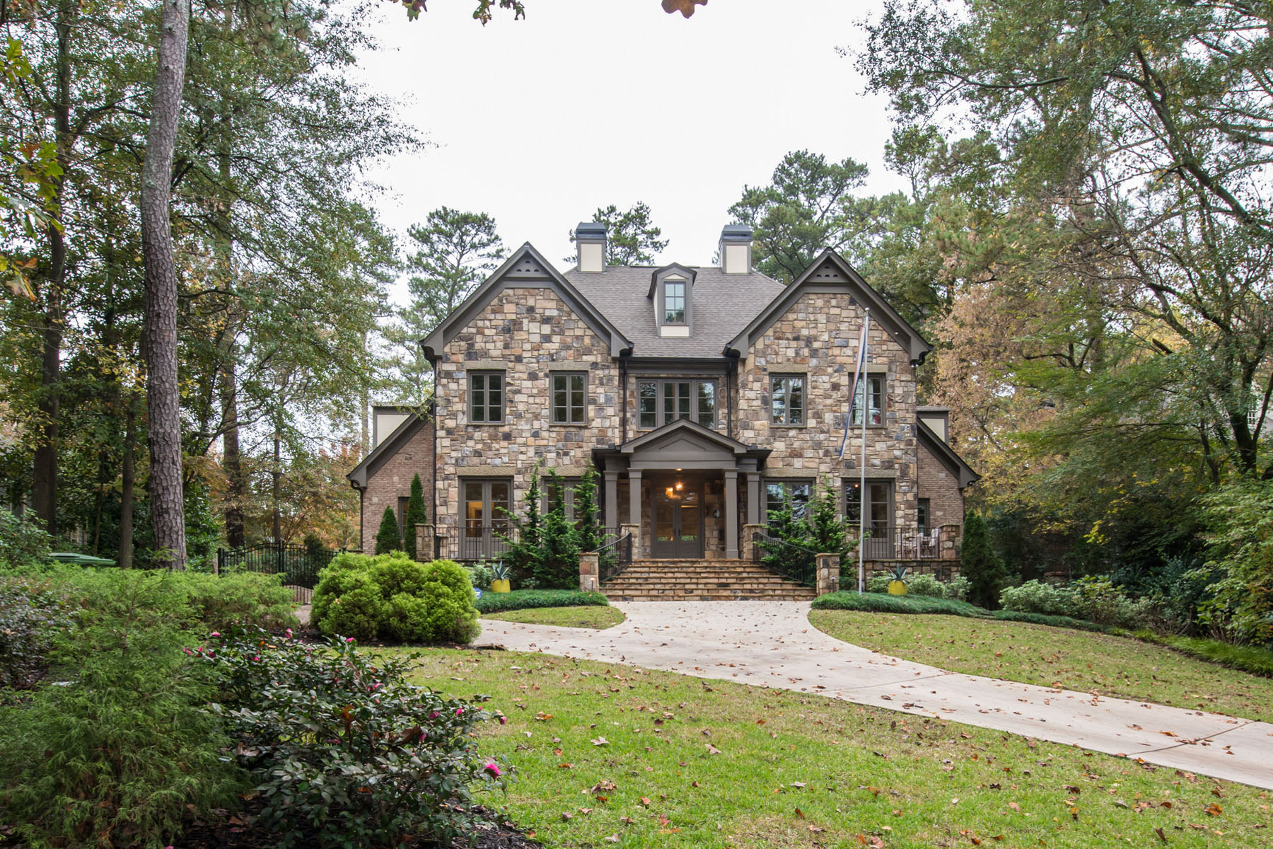 Single Family Home for Active at Brookhaven Masterpiece 4538 Club Drive NE Atlanta, Georgia 30319 United States