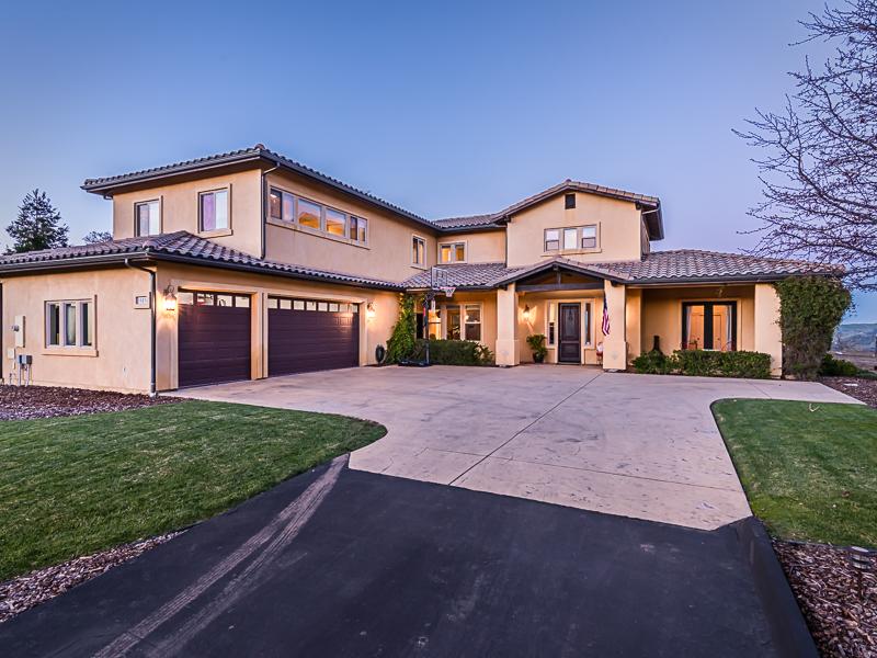 Nhà ở một gia đình vì Bán tại West Atascadero Premier Home with Breathtaking Views 10536 Portal Road Atascadero, California, 93422 Hoa Kỳ