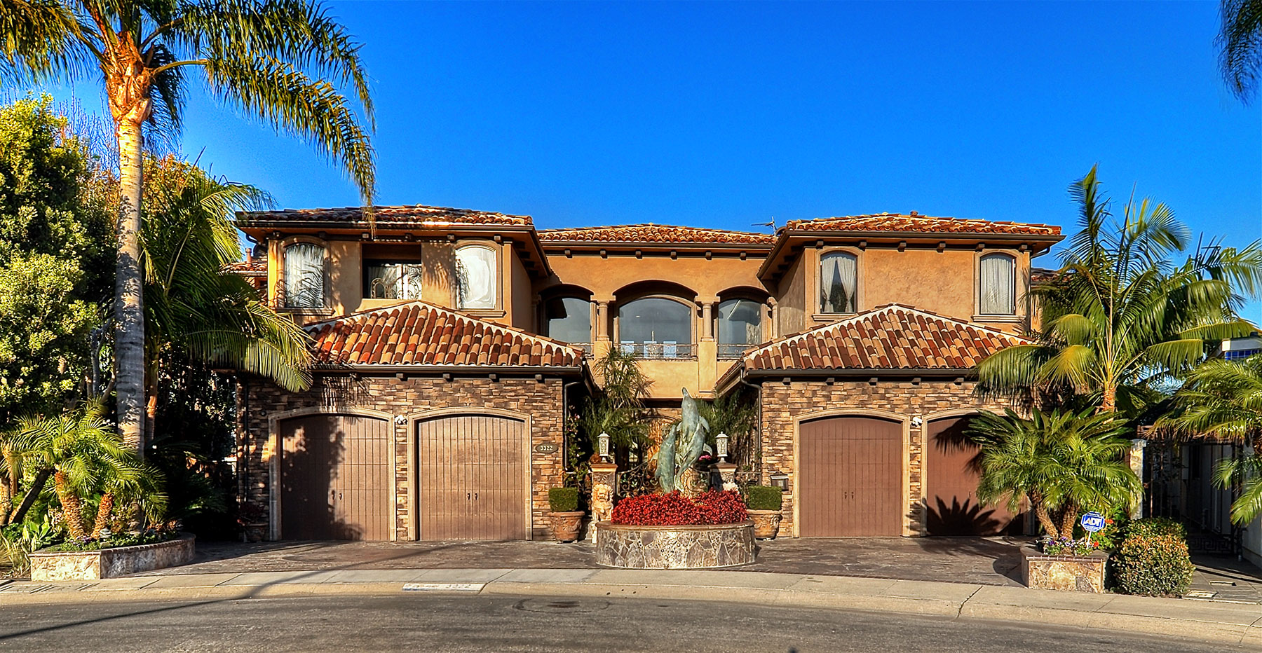 Single Family Home for Sale at 3322 Easter Huntington Beach, California, 92649 United States